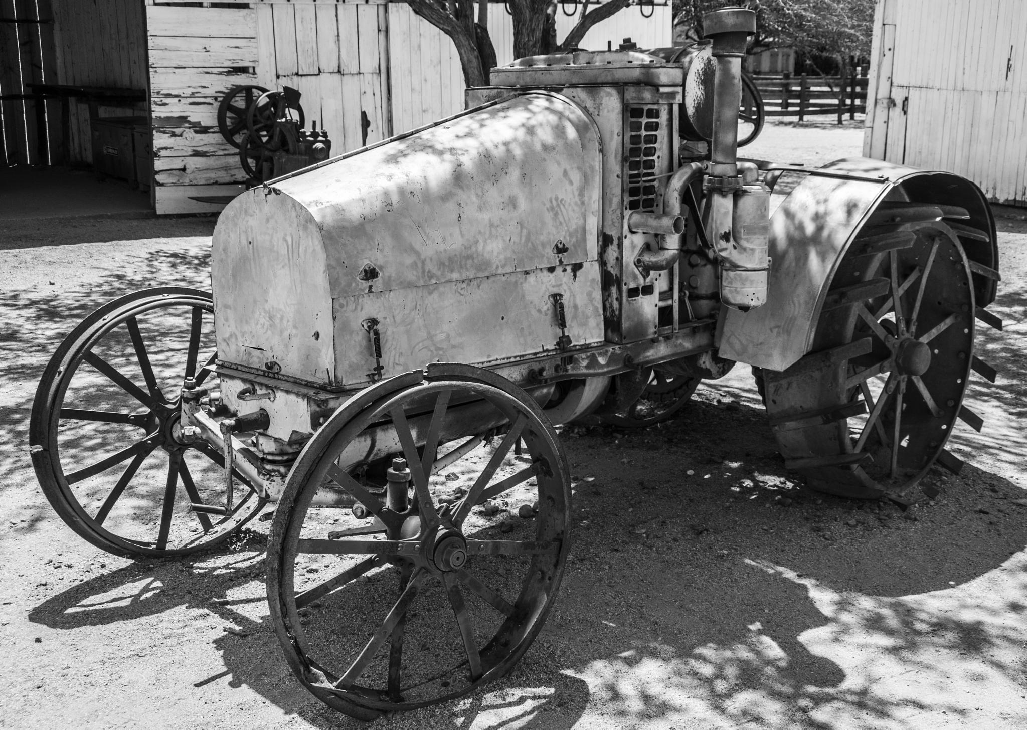 Old Tractor 4 by Daniel Hanson