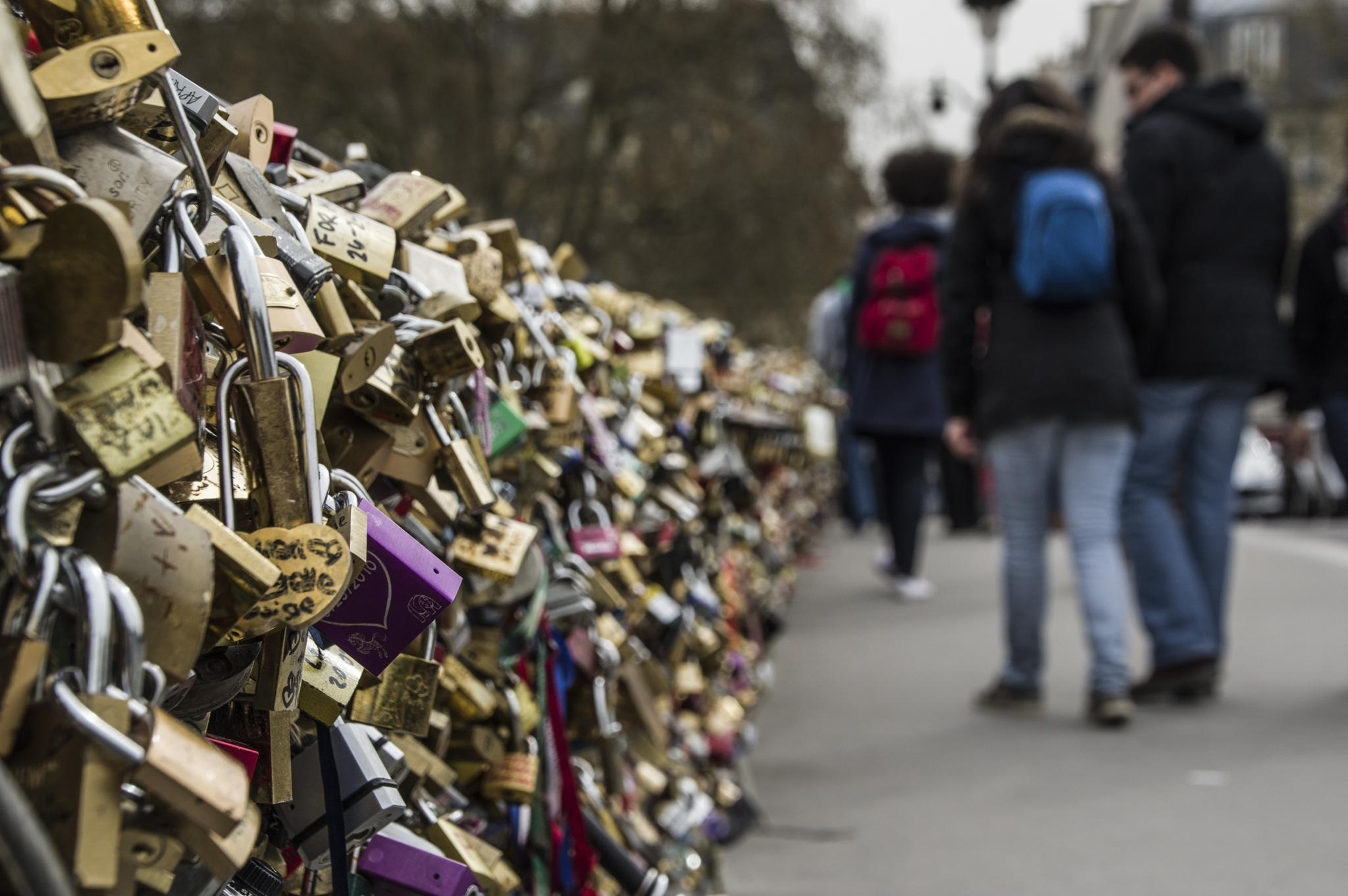Paris strolling by gorber