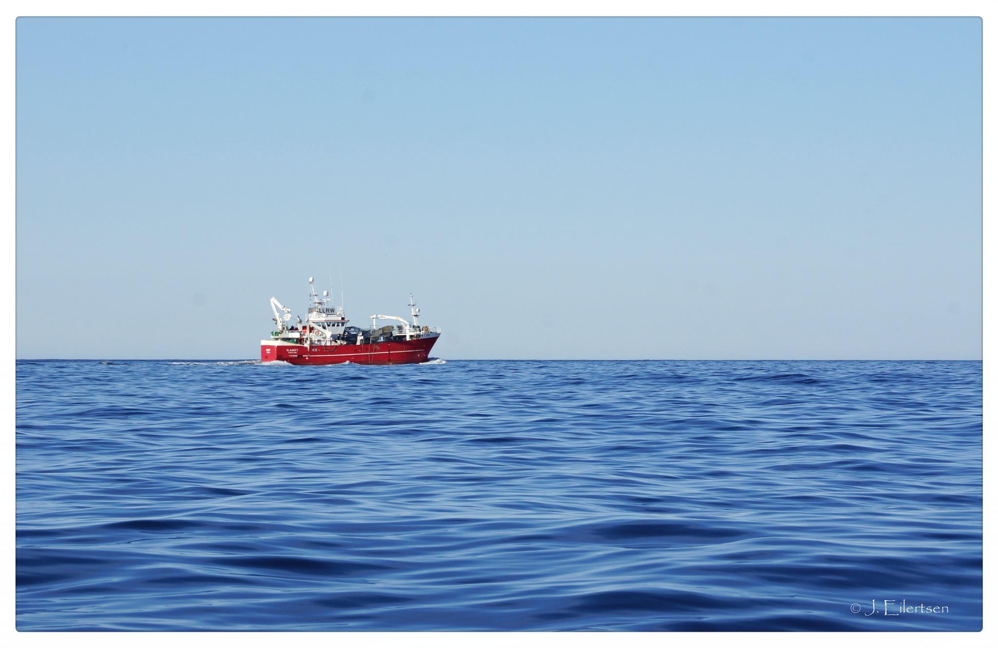Red boat by joeilert