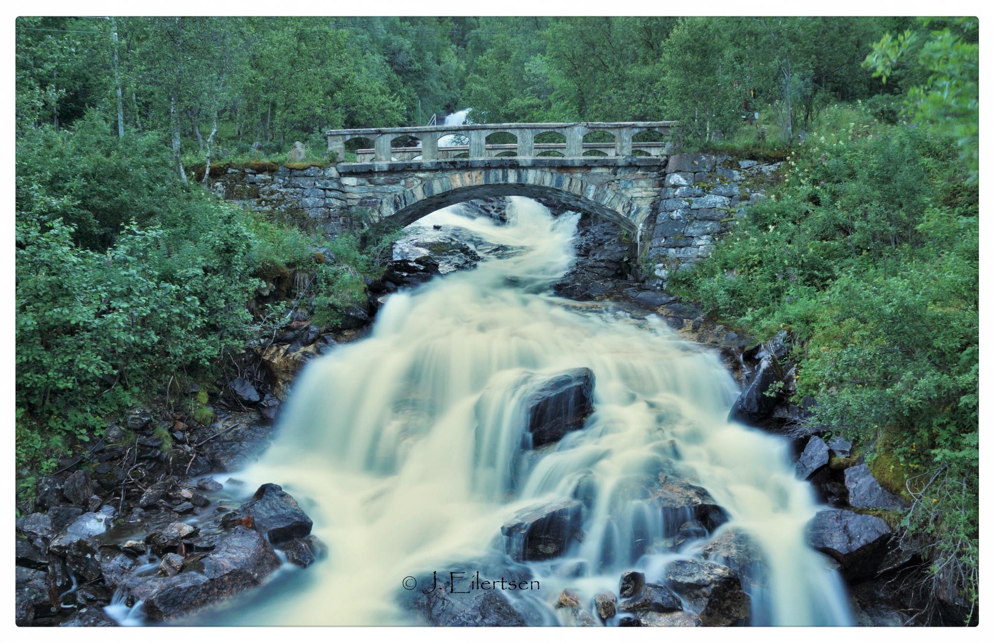 The Old Bridge by joeilert
