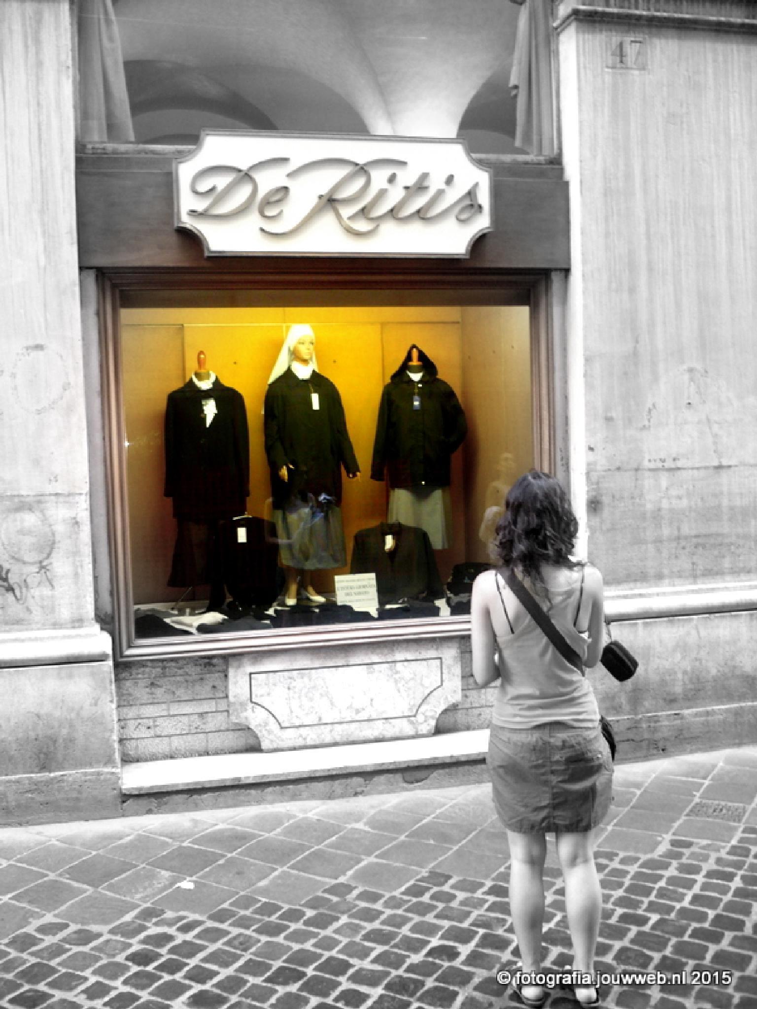Windowshopping in Rome by Giorg'io Bollo di Rabbia