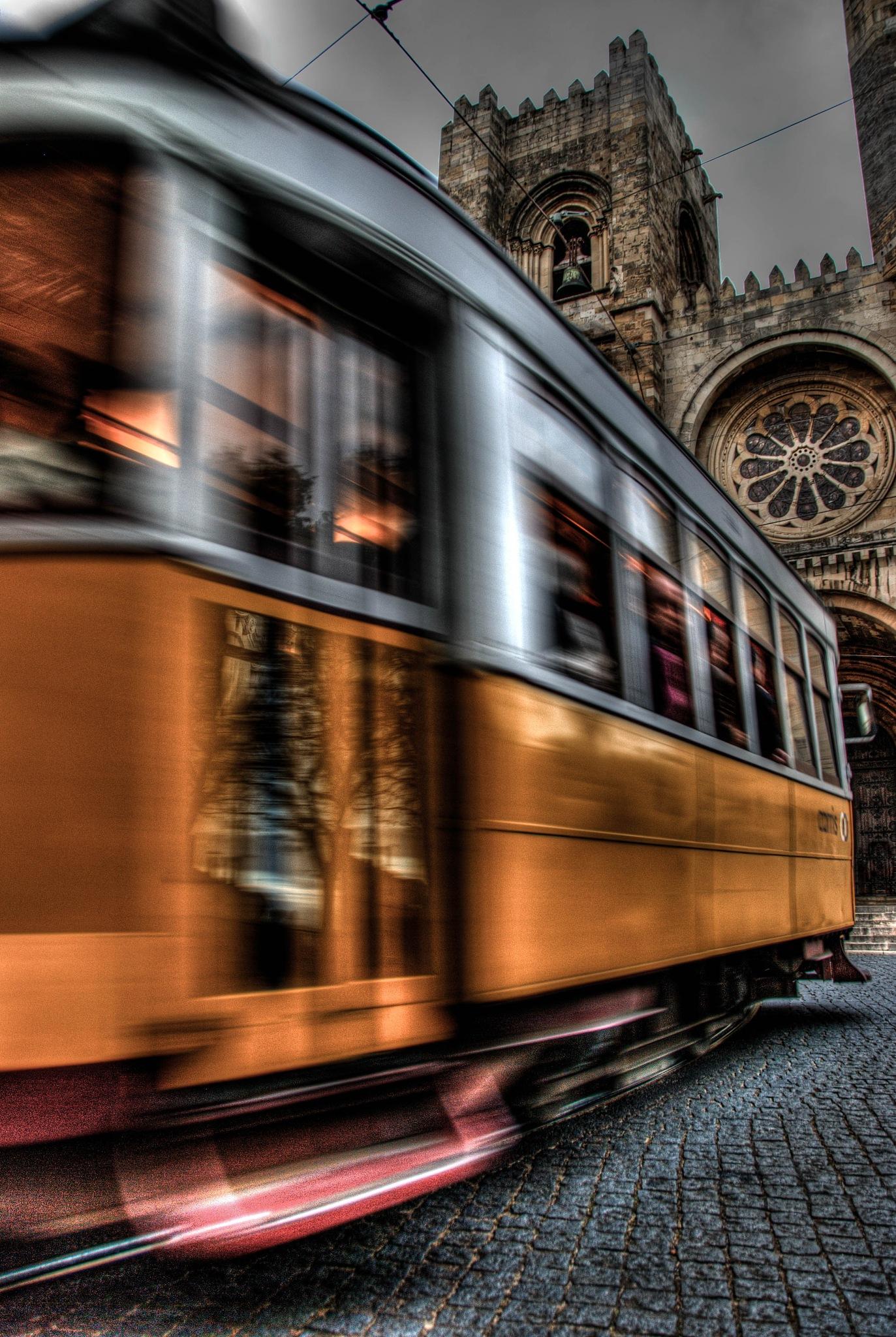 lisbon streetcar by will.vossenberg