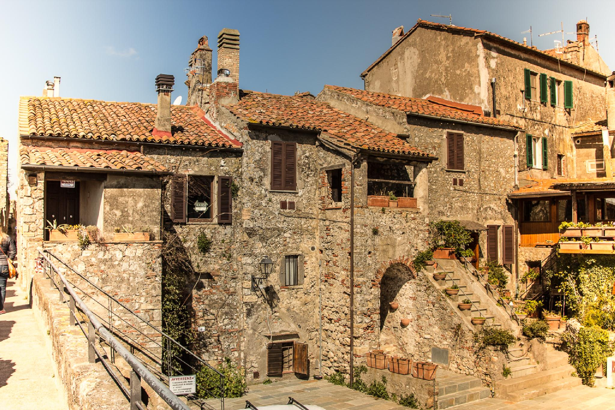 houses of Capalbio by Maurizio Fissi