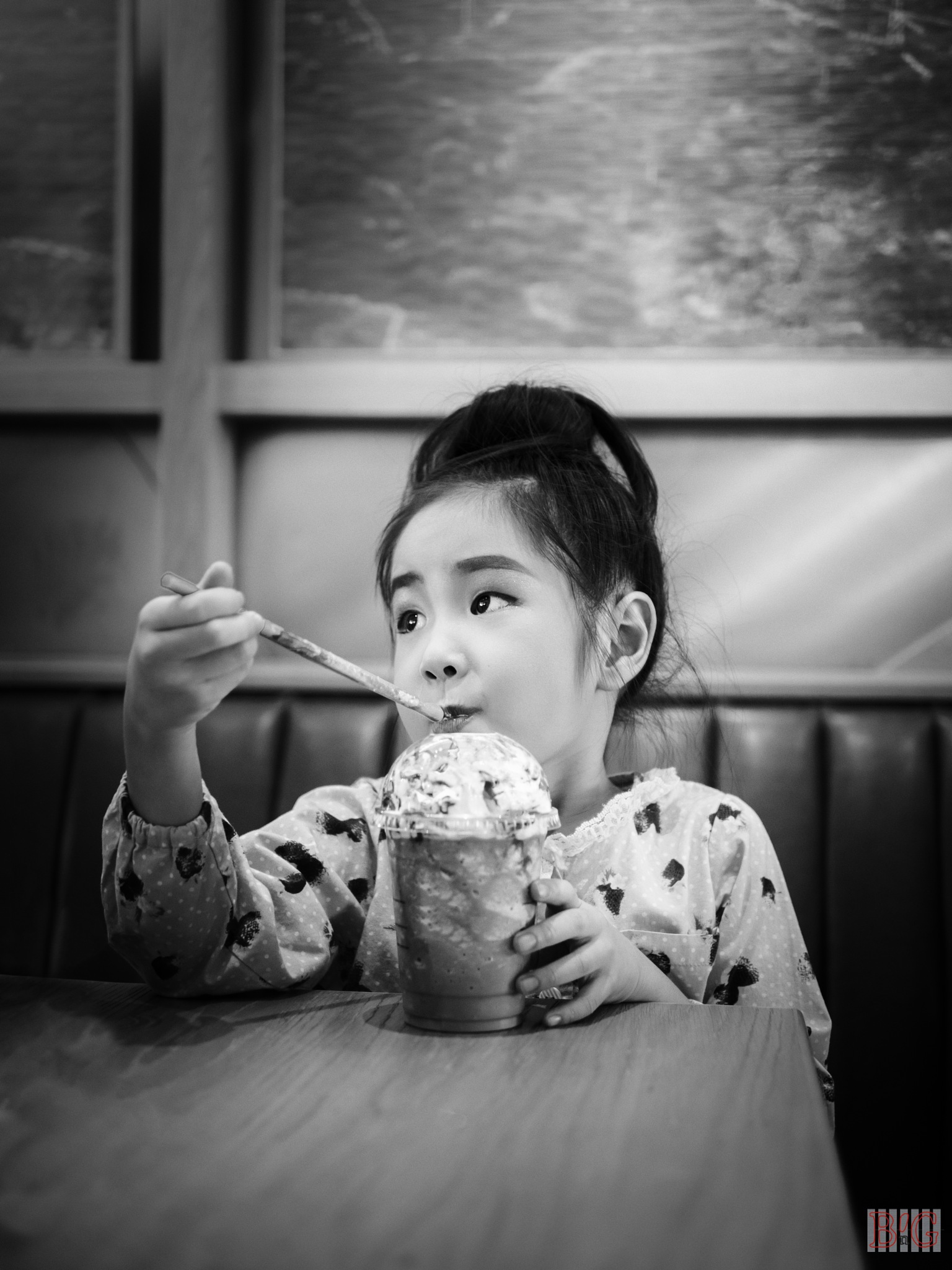 Iced chocolate in Black and White by jennymissu