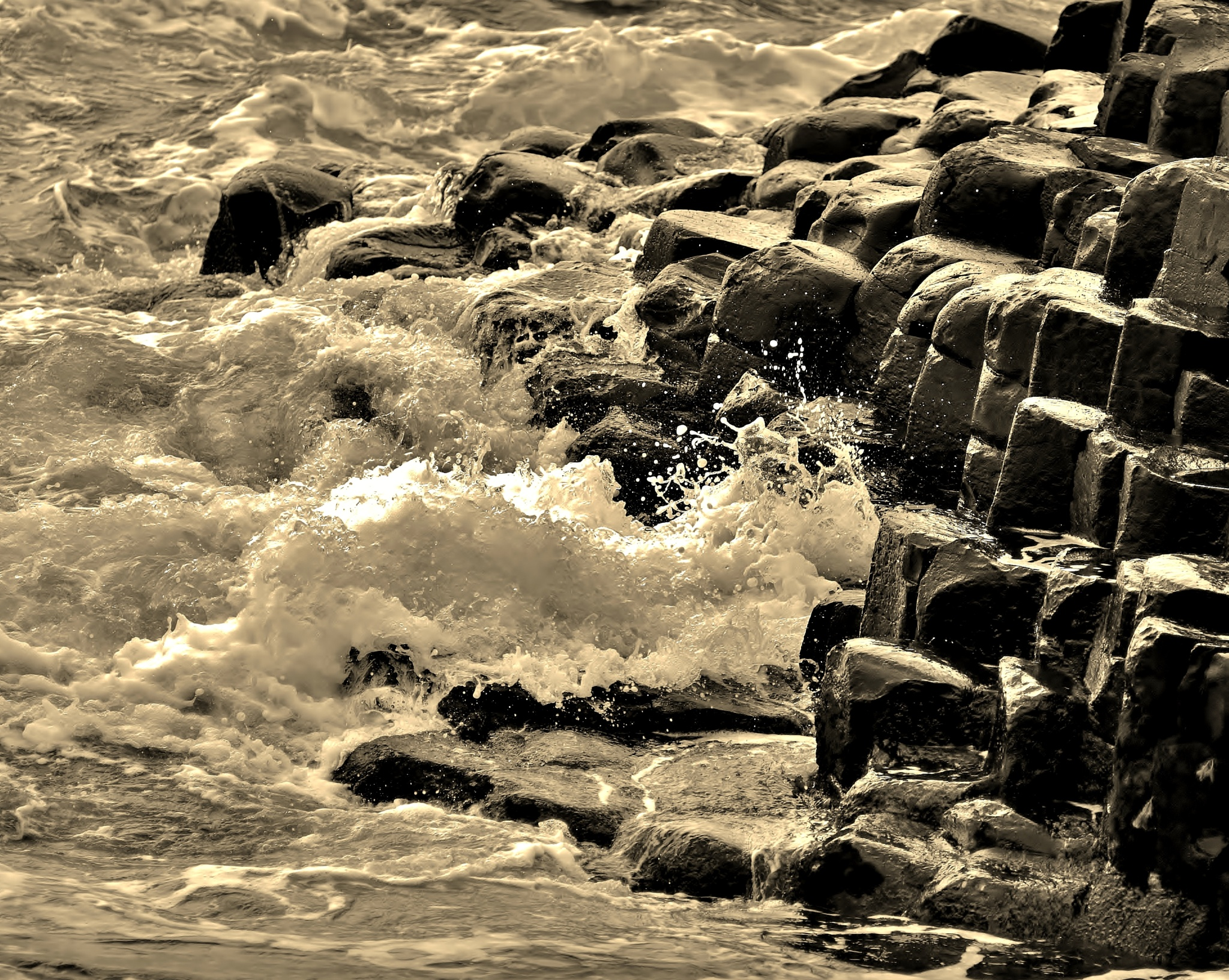 Giants Causeway Wave Crashing by paul.hosker
