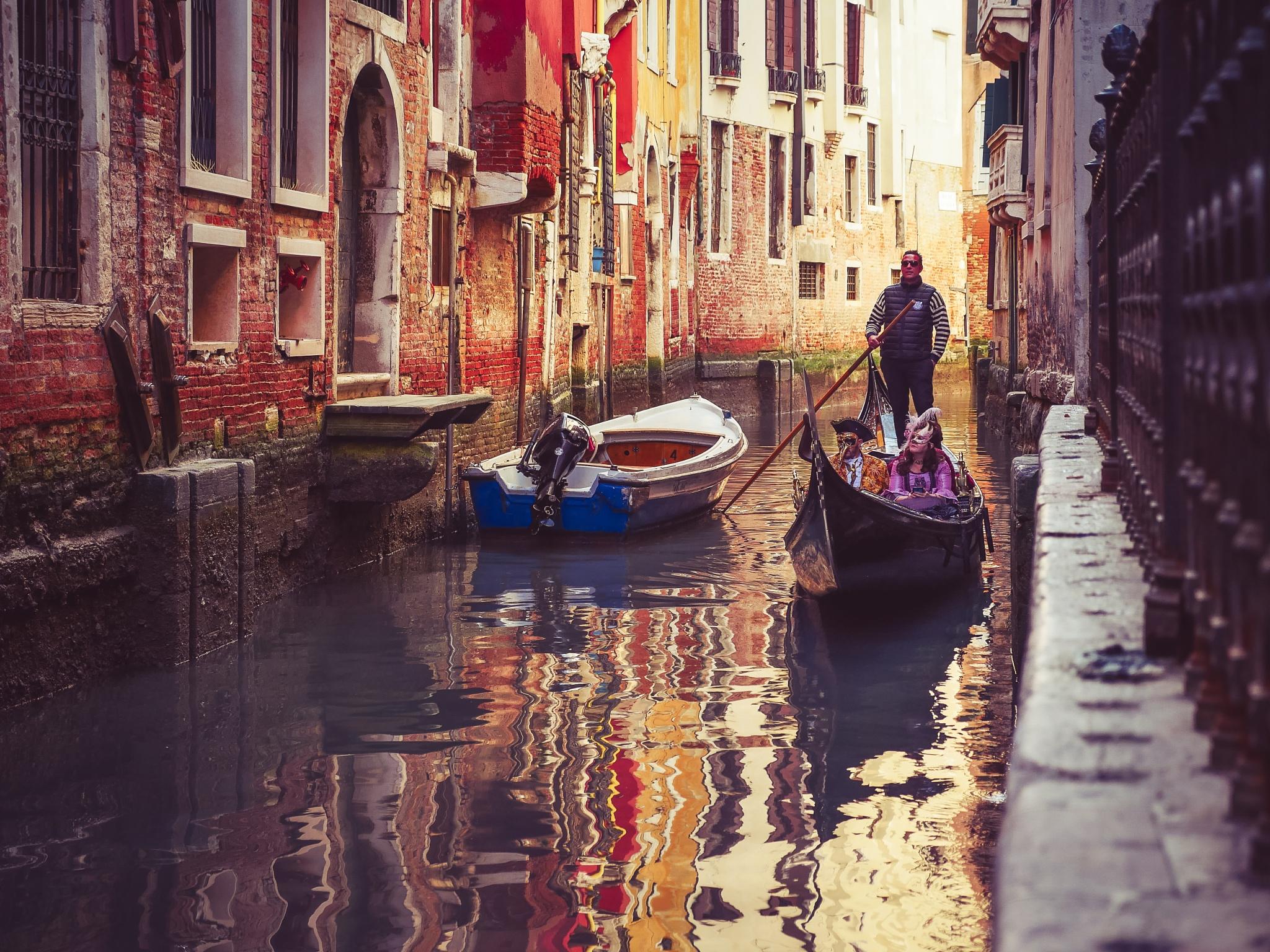 Venice carnival by Komisantto