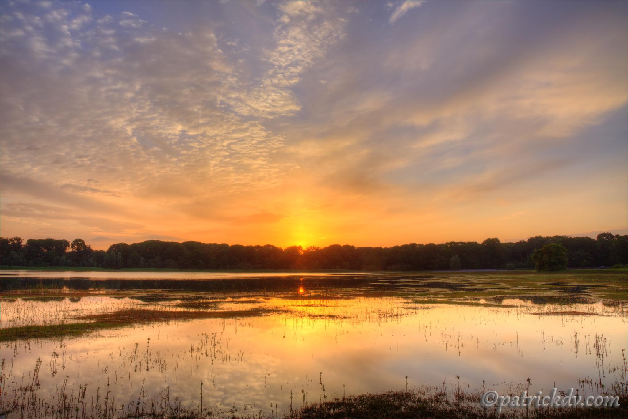 Sunrise#2 by Patrick de Vleeschauwer.