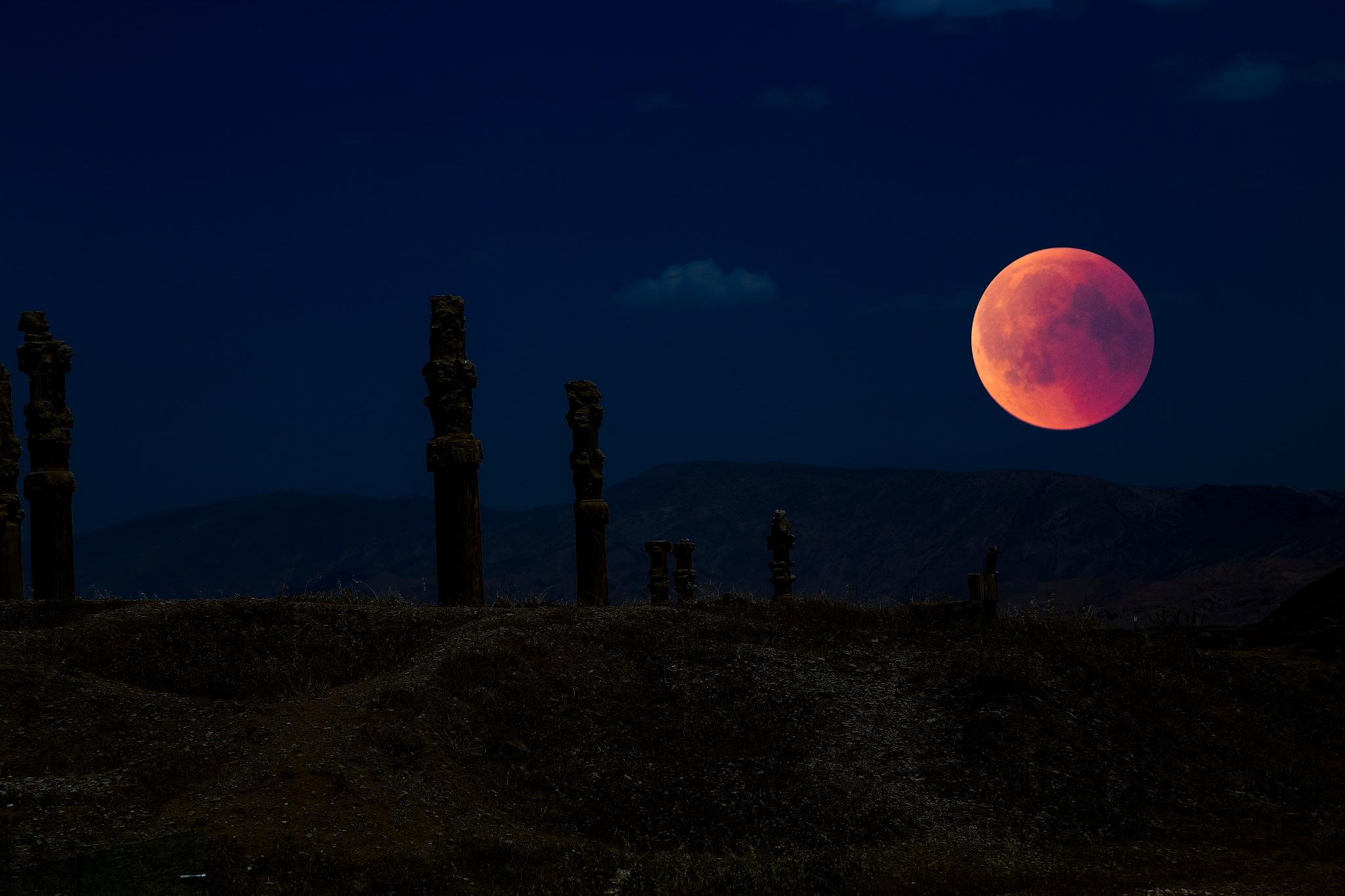 Blood Moon by abi.doroud