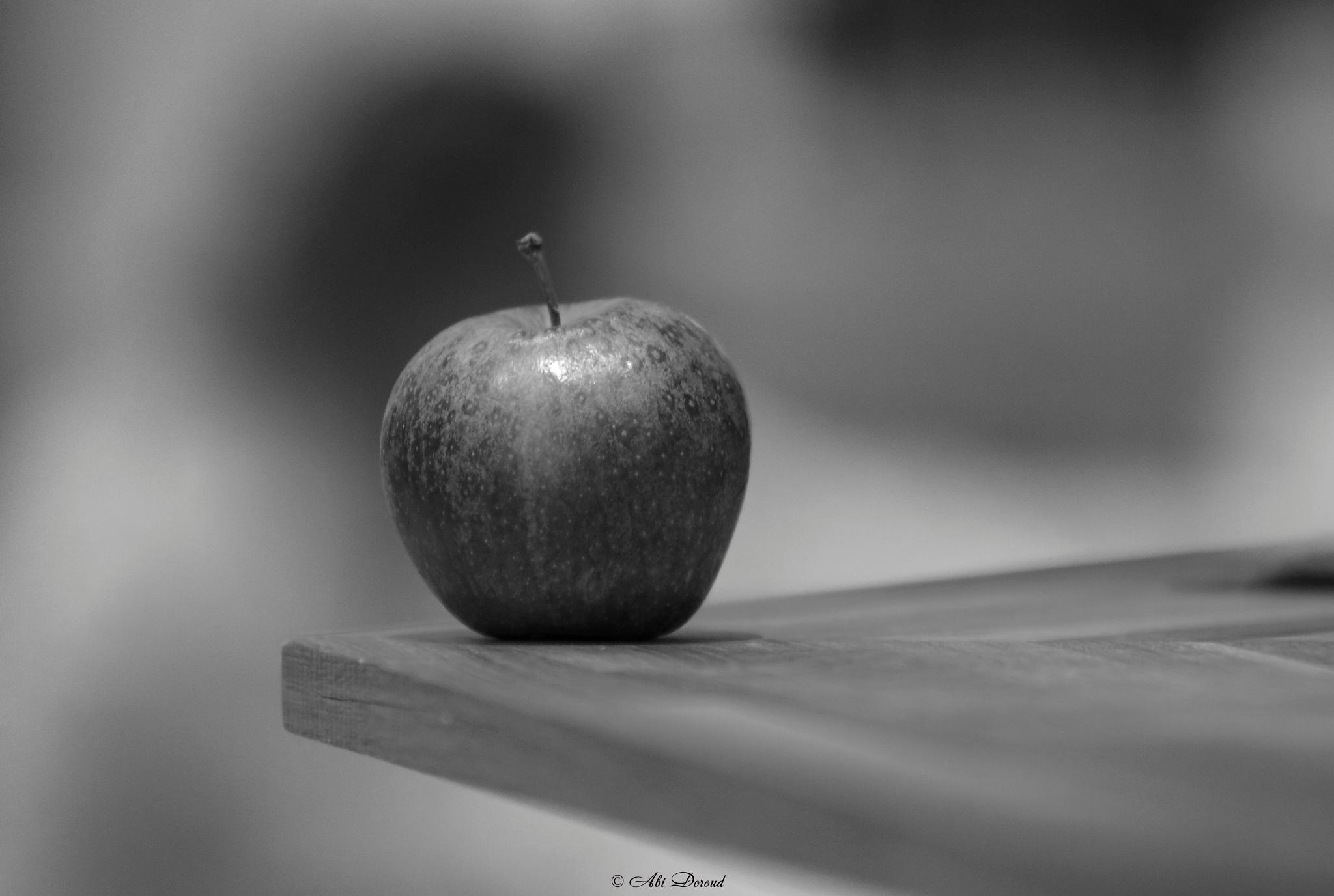 An Apple by abi.doroud