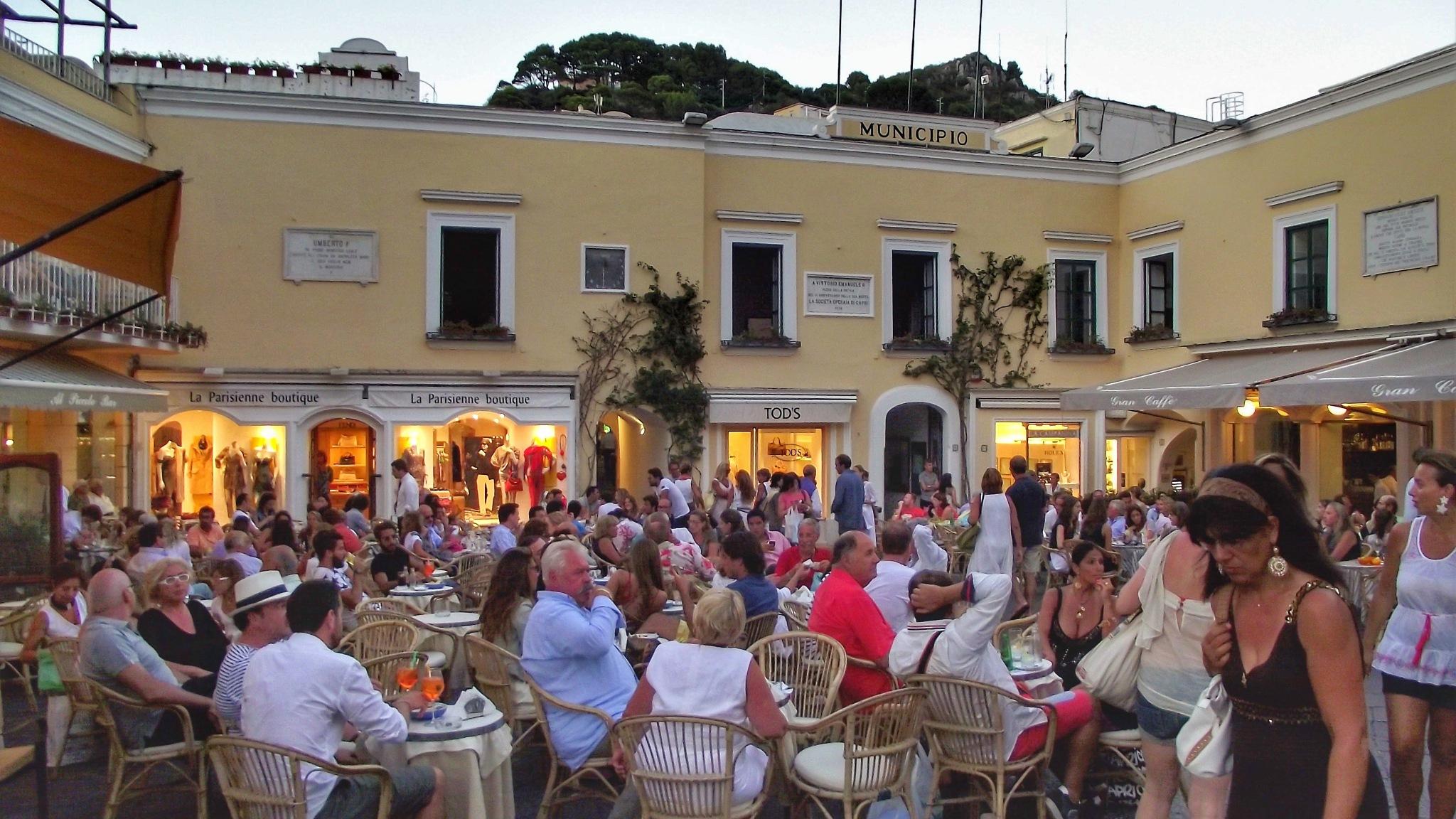 Capri, Piazzetta  by Giulio