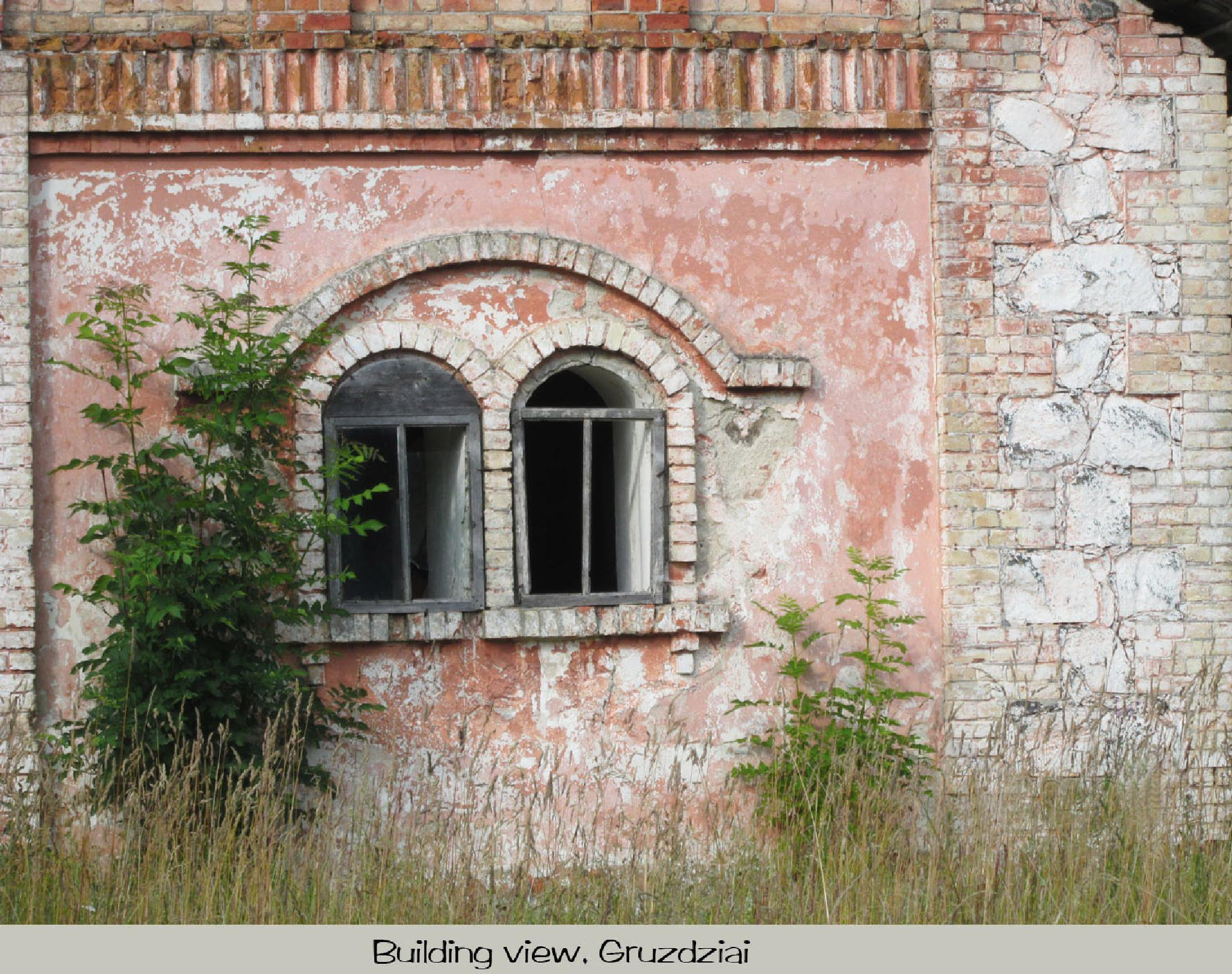 Wall of old building by RutaS