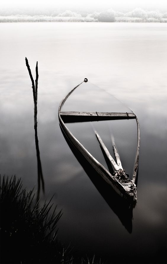 Forgotten Boat by sylvaan.teunissen.338