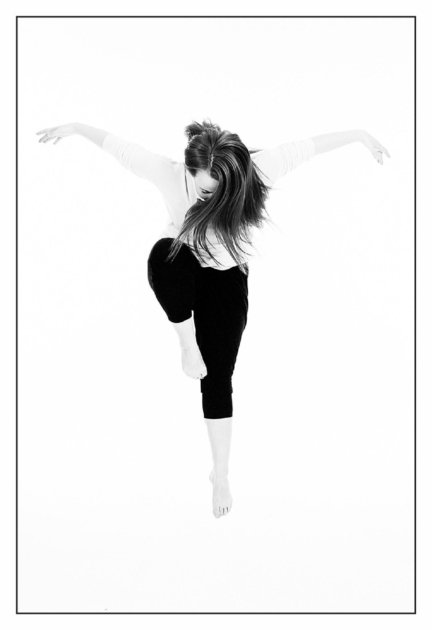 Dance by Elisabeth Landberger