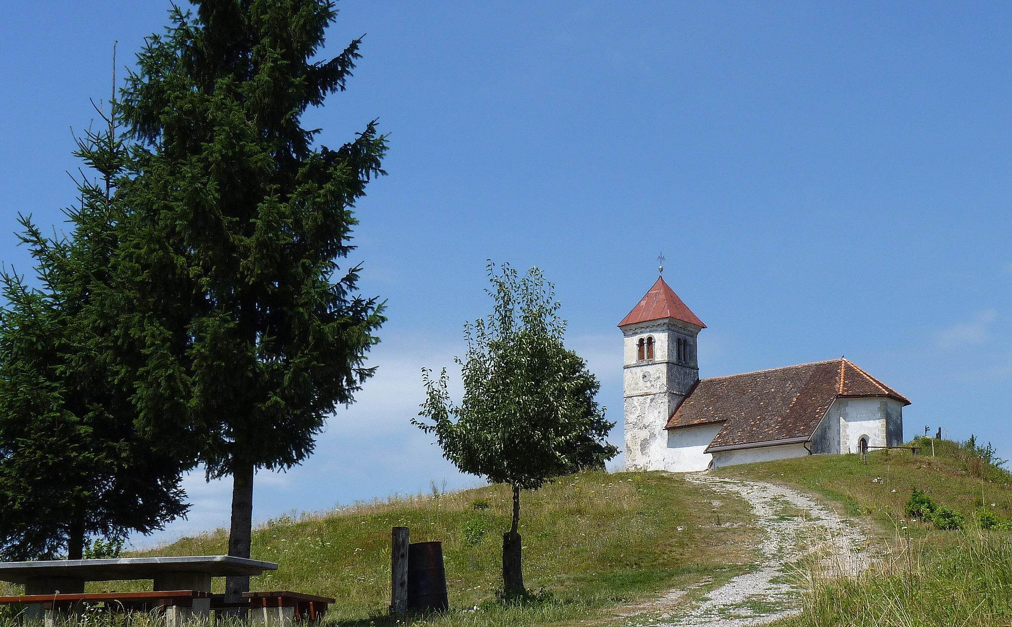 Church of St. Anne (484 m) by zvnktomasevic