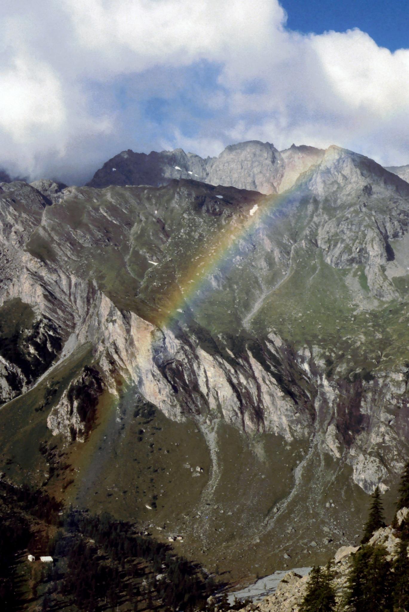 Rainbow in a curved air by Piercarlo Bedino