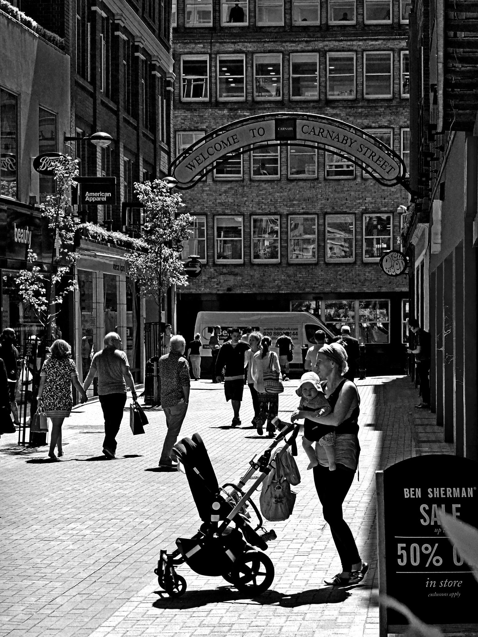 shopping... by Piercarlo Bedino
