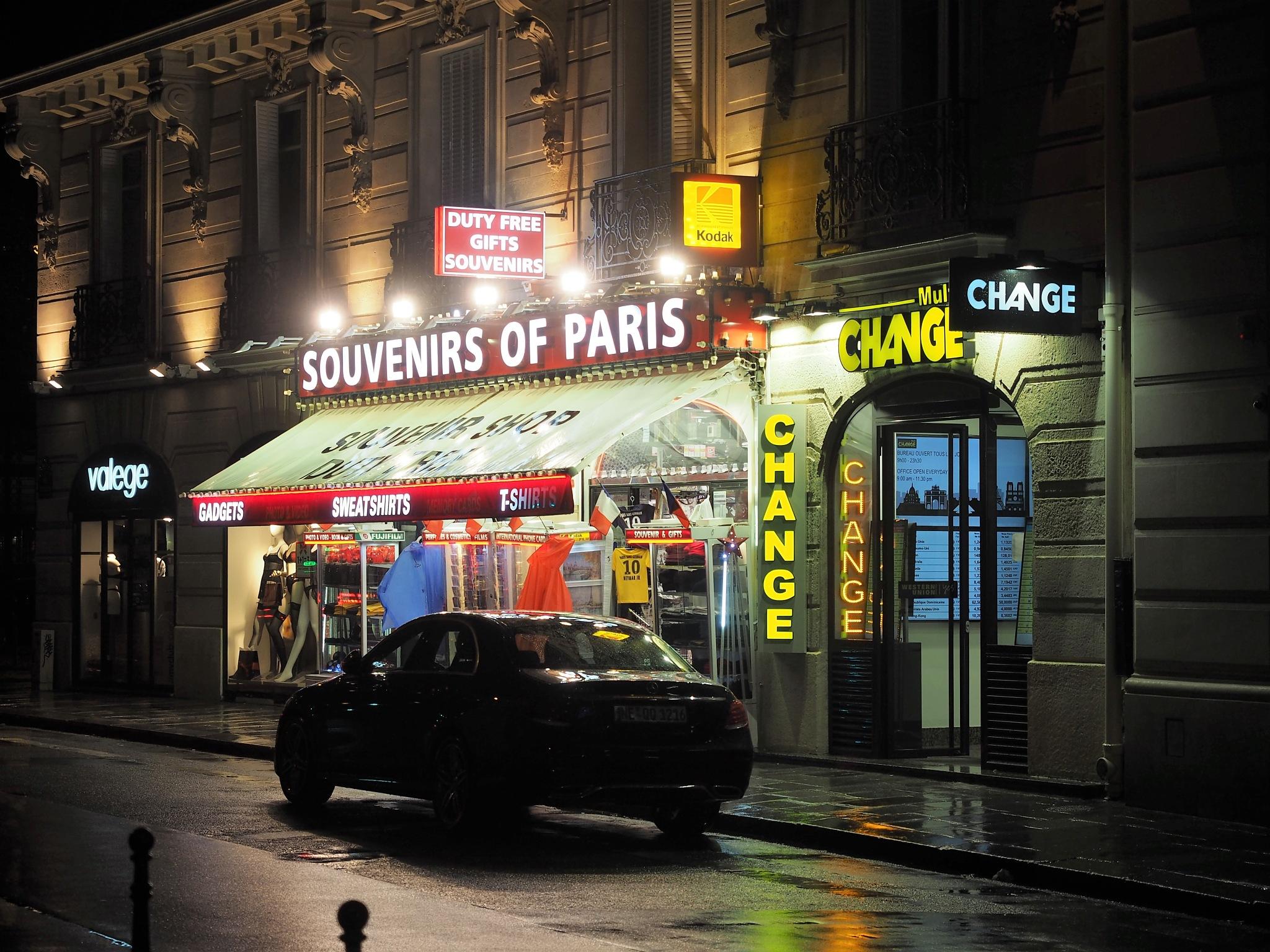 Souvenirs of Paris - Change by kallebo20