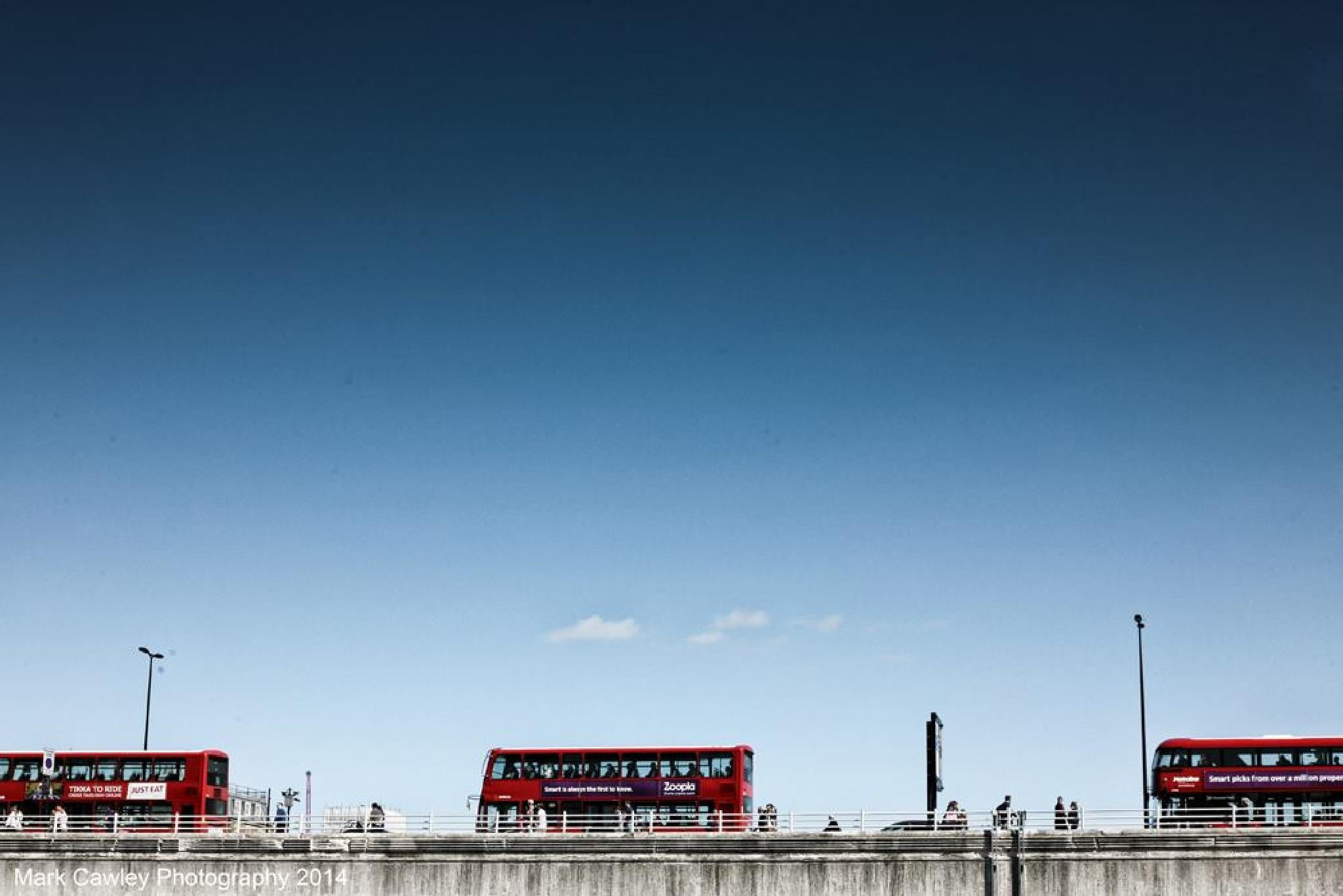 London Bridge Buses by MarkCawley