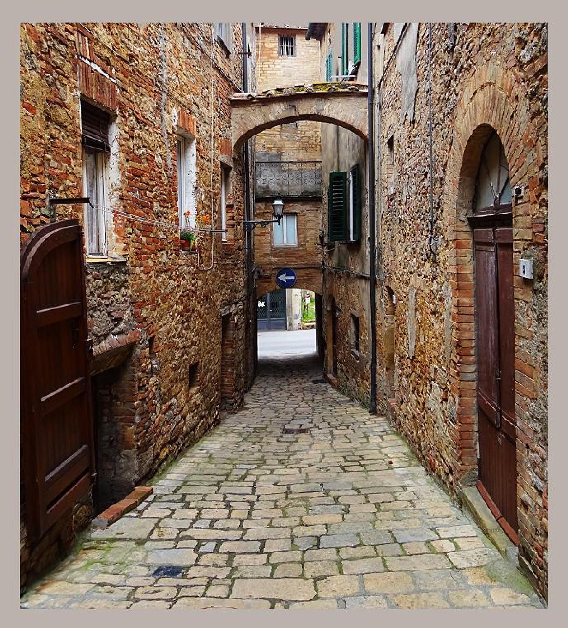 Volterra by Krystyna Flis