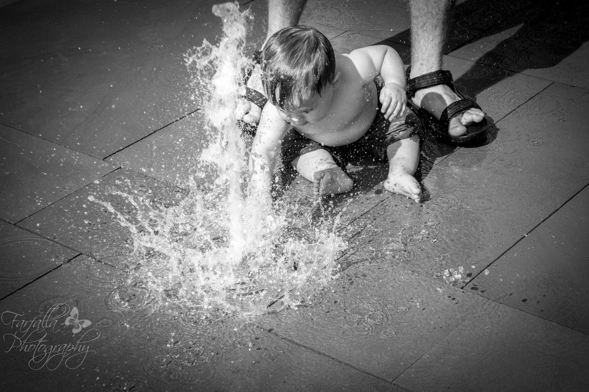 splish splash by M Knapp-Greiwe