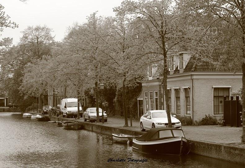 Gracht in Hoorn by charlottevanwamelen69