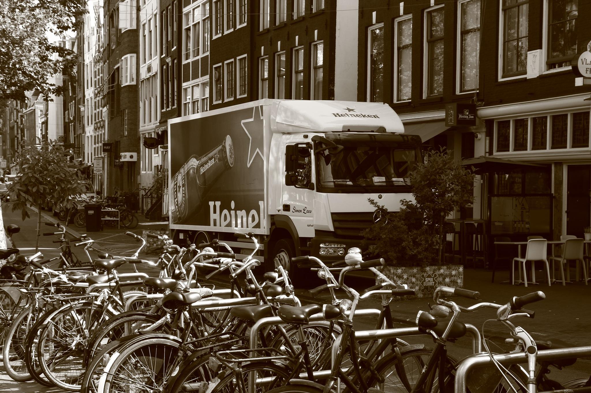 Amsterdam by charlottevanwamelen69