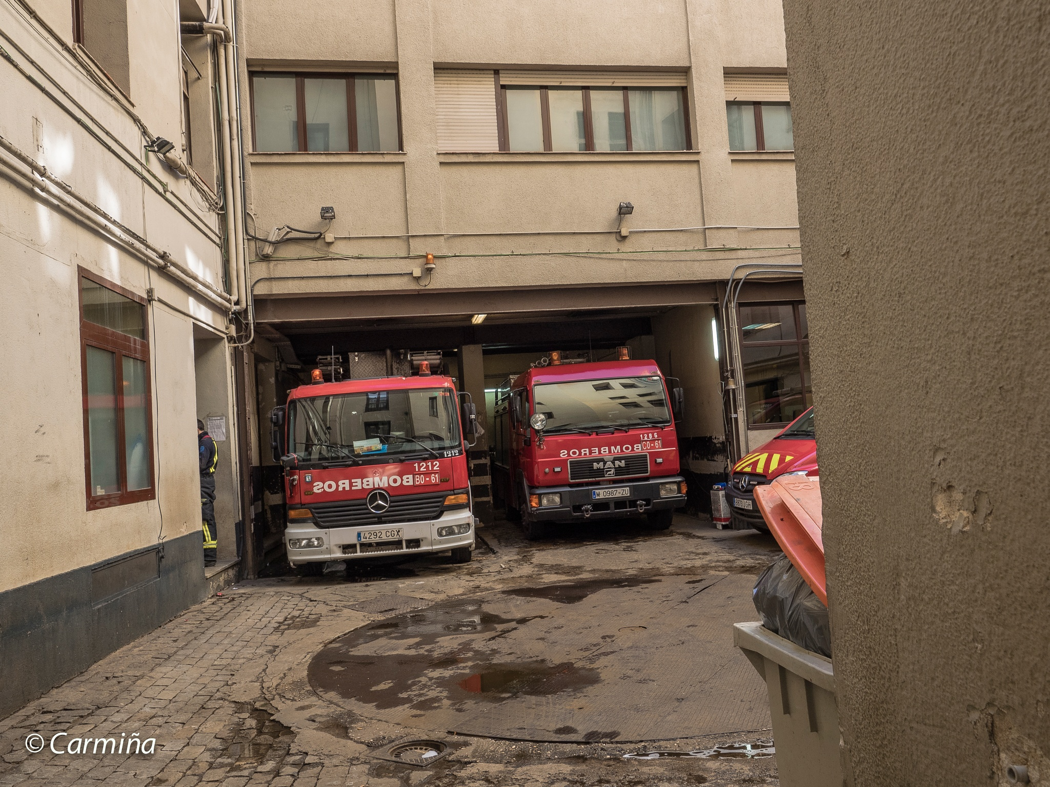 Bomberos. Cuartel General. by carmina.waterstone