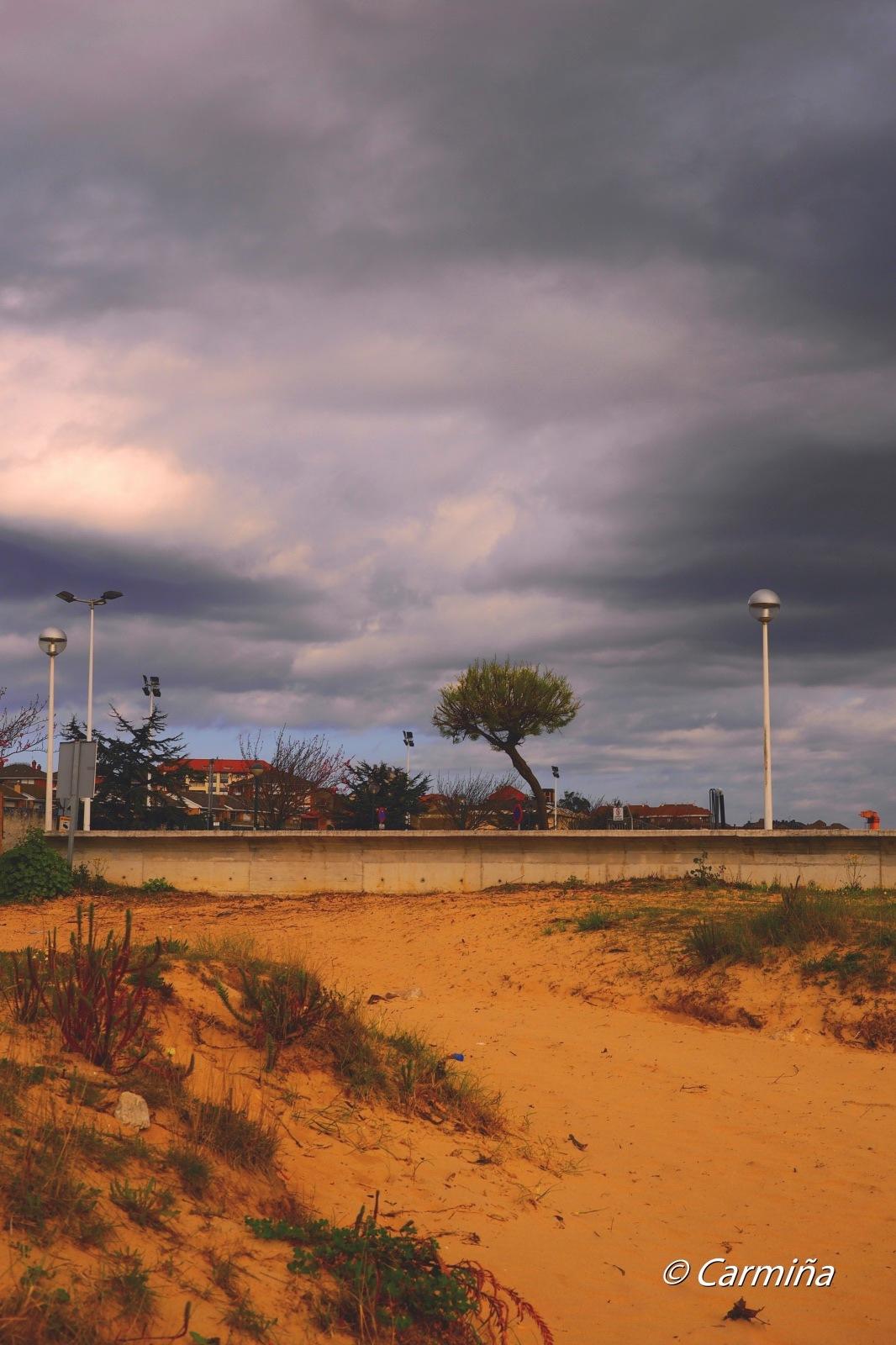 Amenaza de las nubes en Suances by carmina.waterstone