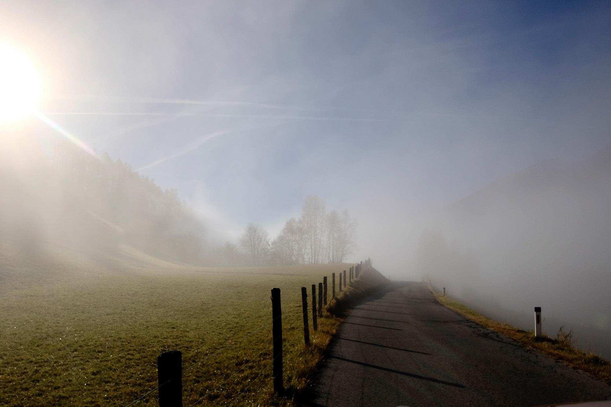 Auf dem Weg ins Tal by Andrea Papageorgiu