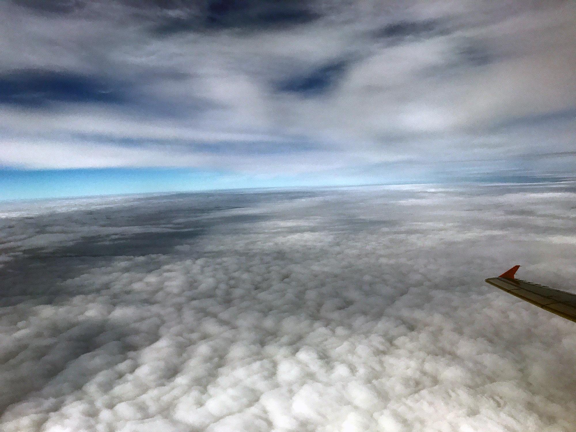 Zwischen den Wolken by Andrea Papageorgiu