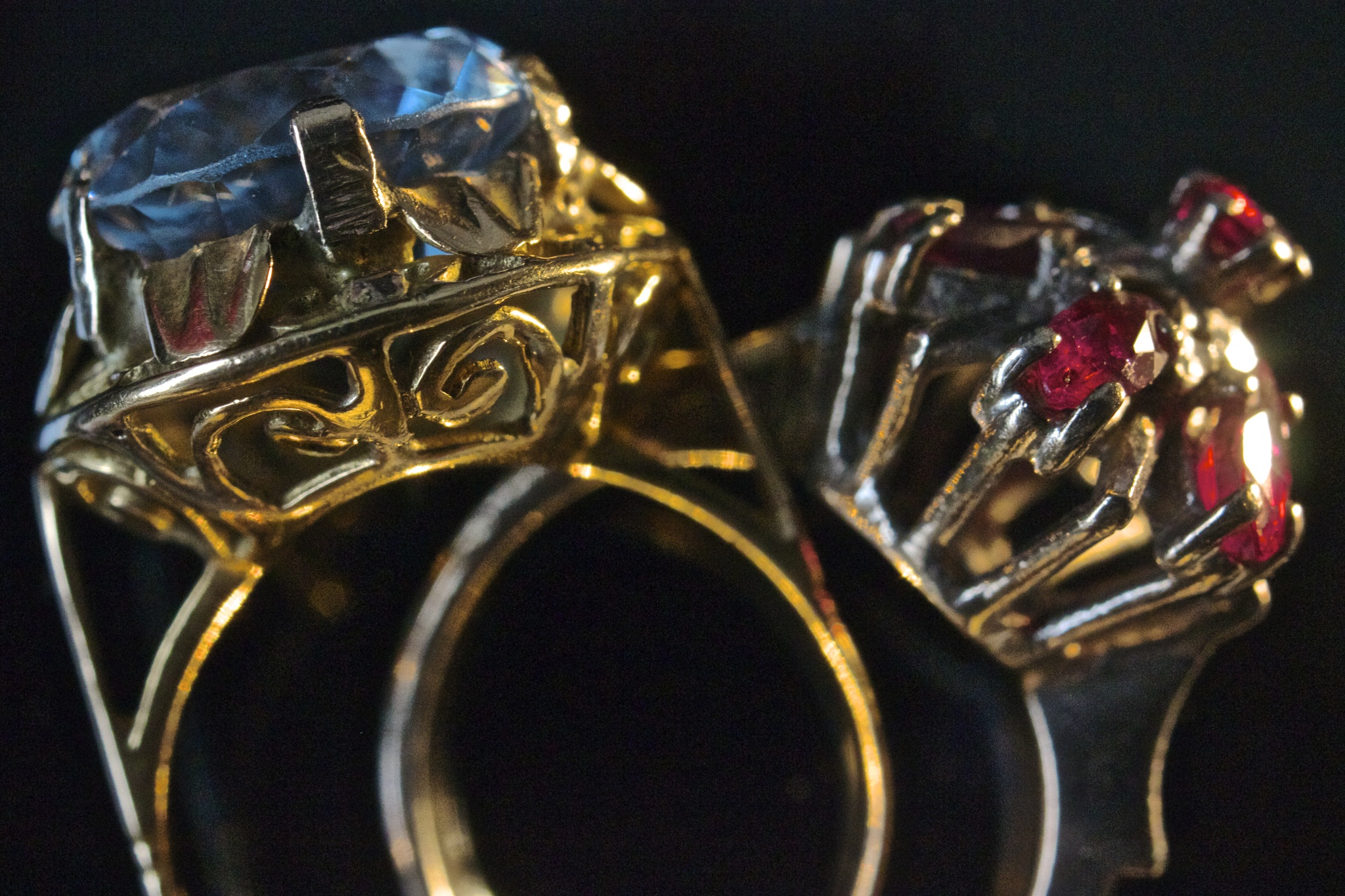 Rings by Azucena Kouwenhoven