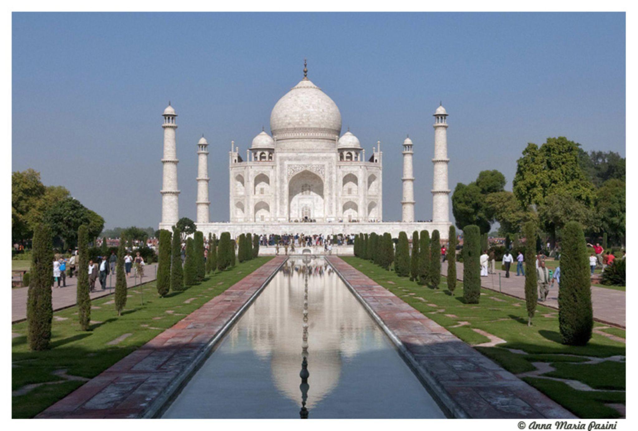 Taj Mahal  by annamariapasini