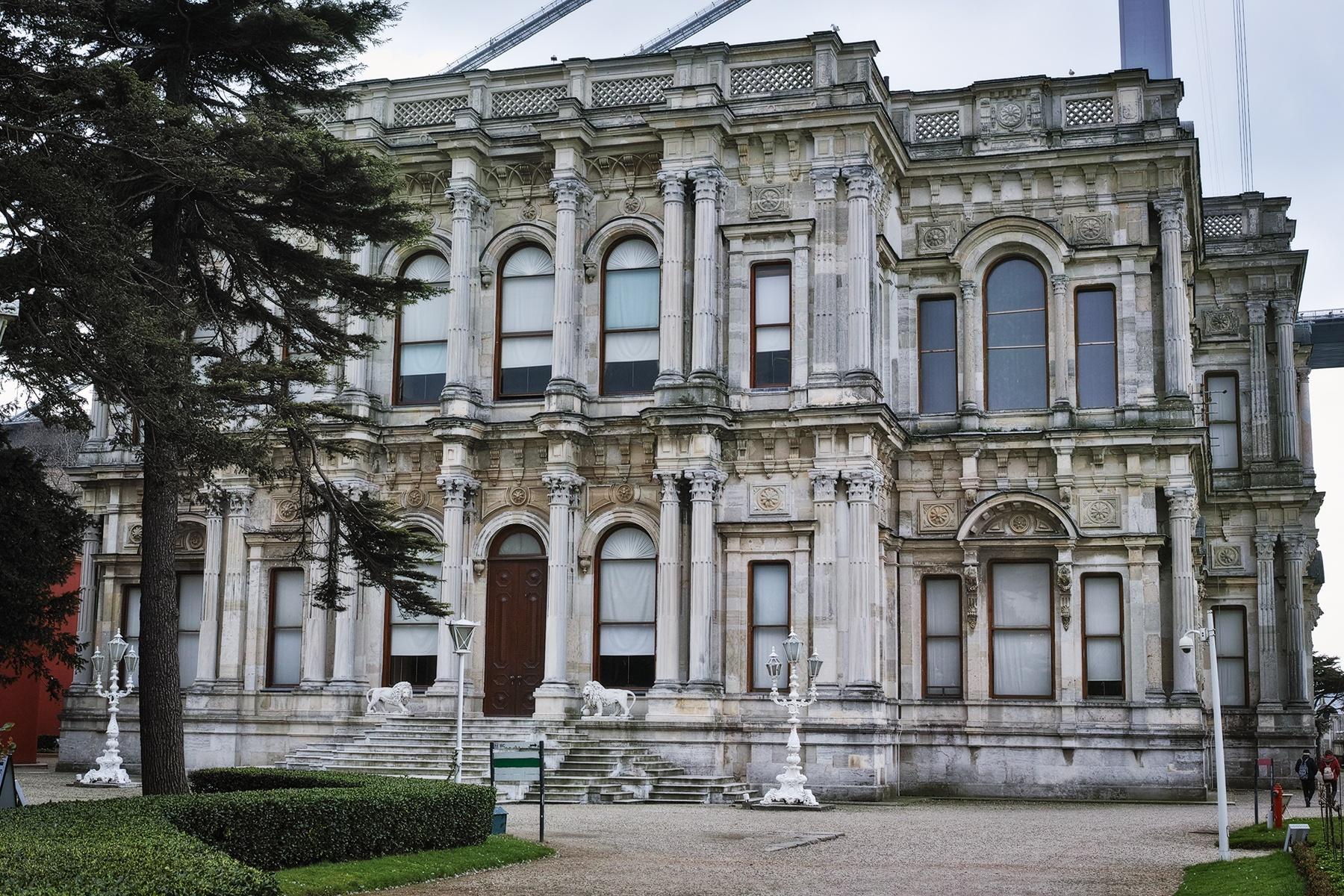 Beylerbeyi Palace by Osman Tümay