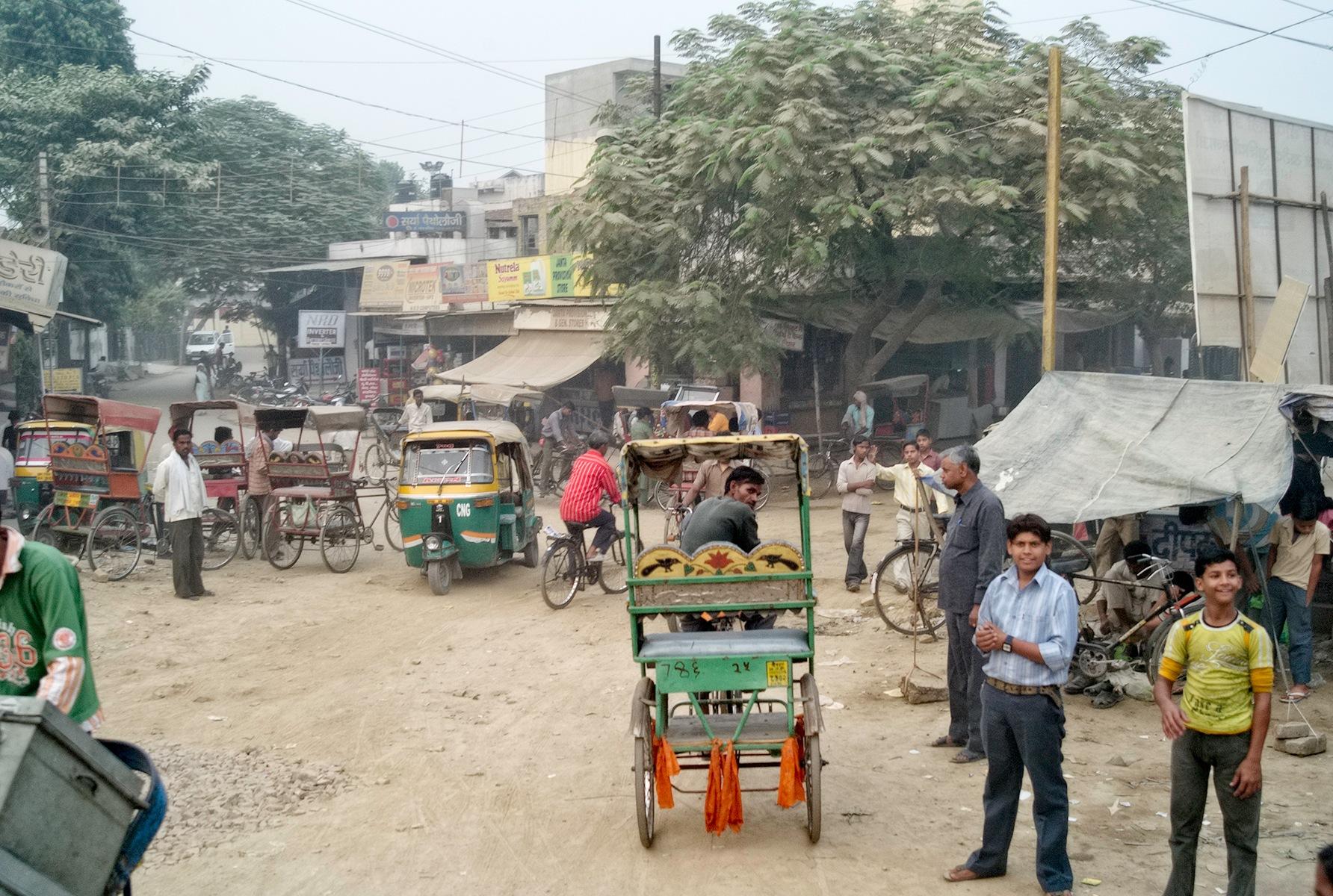 Rickshaws by Osman Tümay