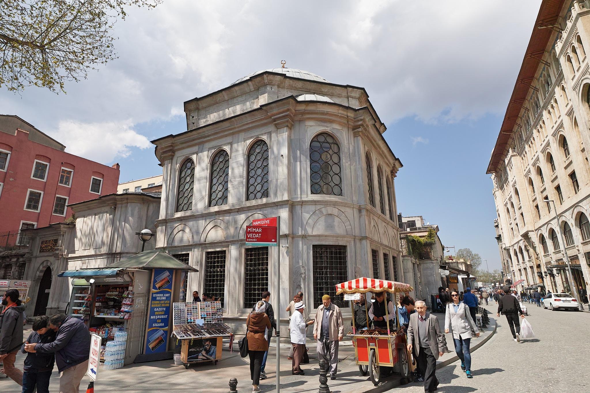 Street scene by Osman Tümay