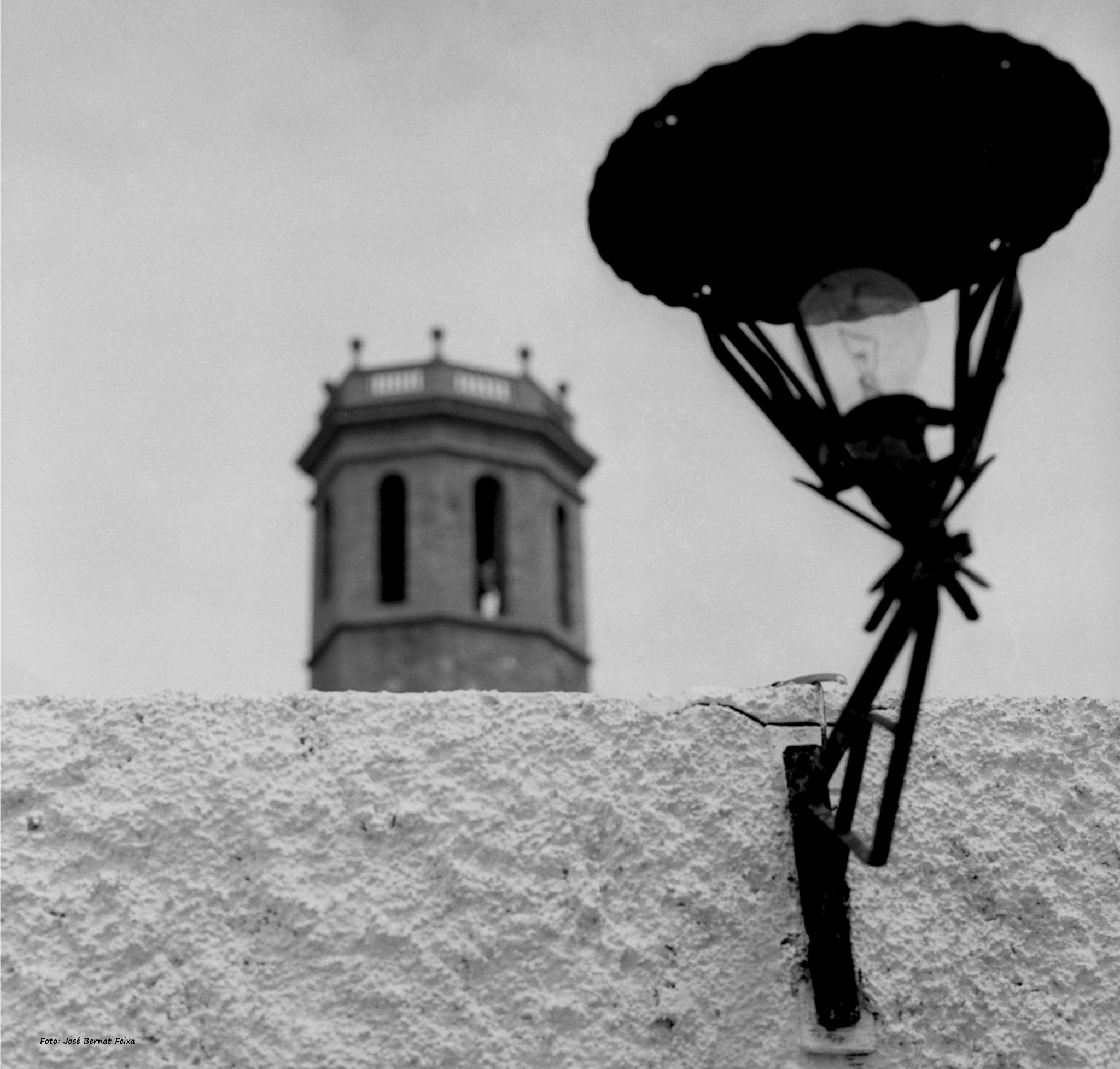 LÁMPARA Y TORRE; LAMP EN TOREN; LAMP AND TOWER (60's) by José Bernat Feixa