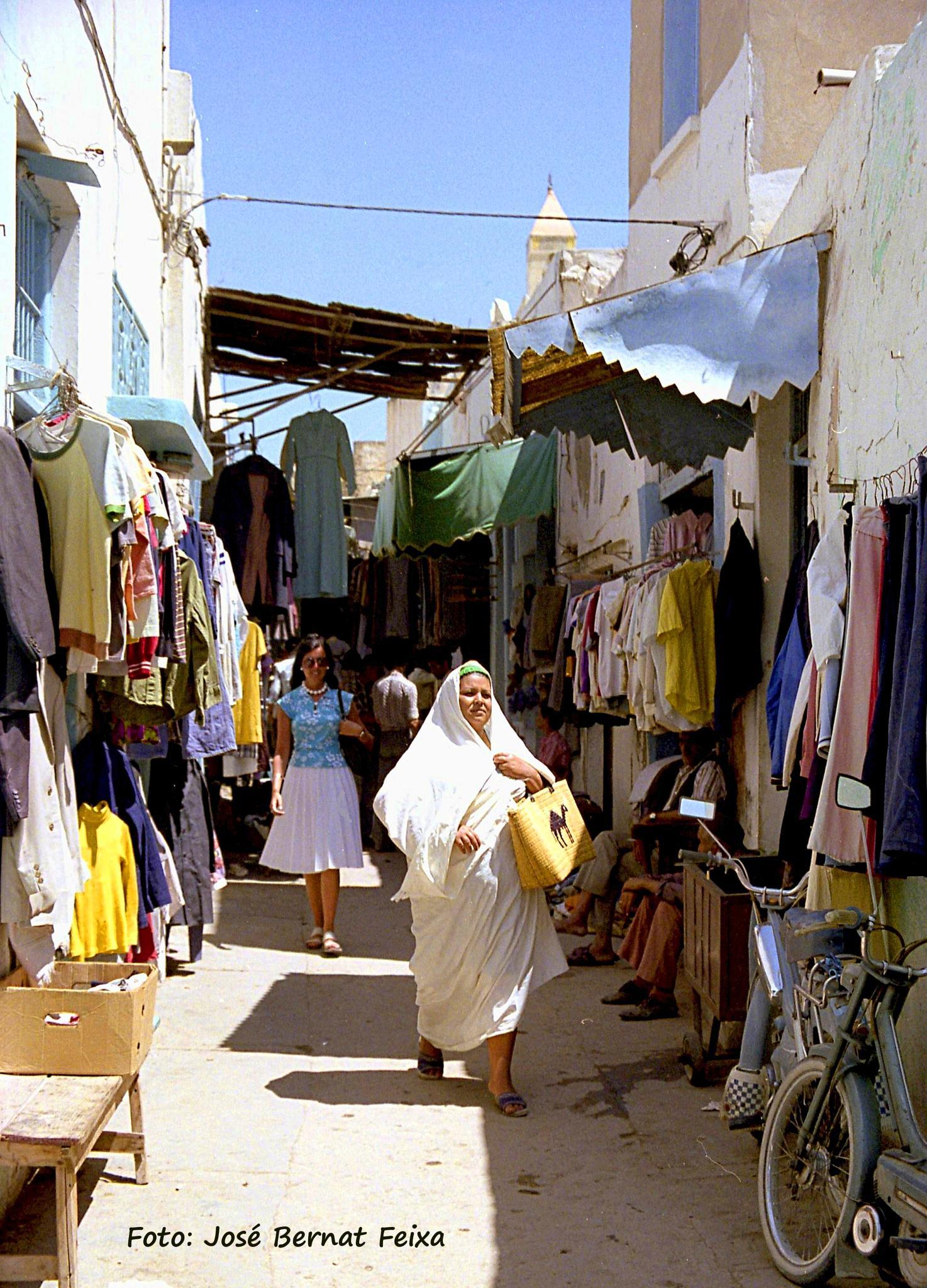 CALLE, STRAAT, STREET, Sousse, Tunesië (1978) by José Bernat Feixa