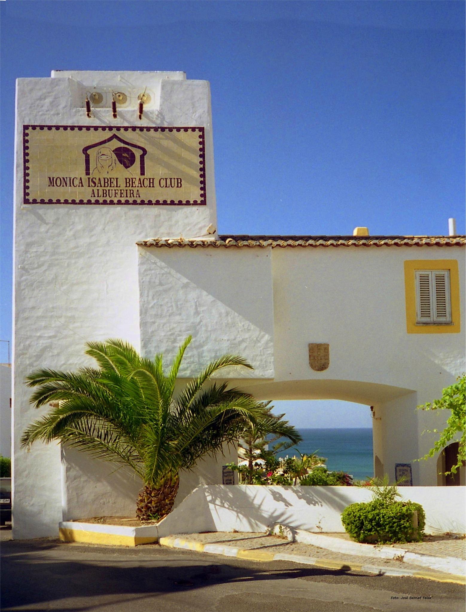MONICA ISABEL BEACH CLUB, Albufeira by José Bernat Feixa