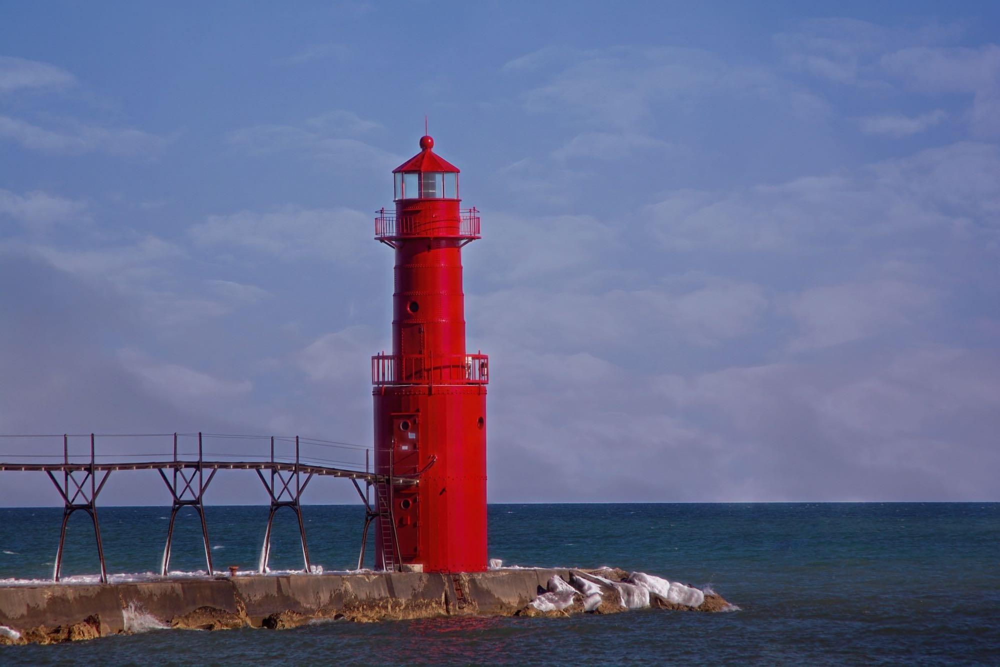 Lighthouse on Lake Michigan by djensen