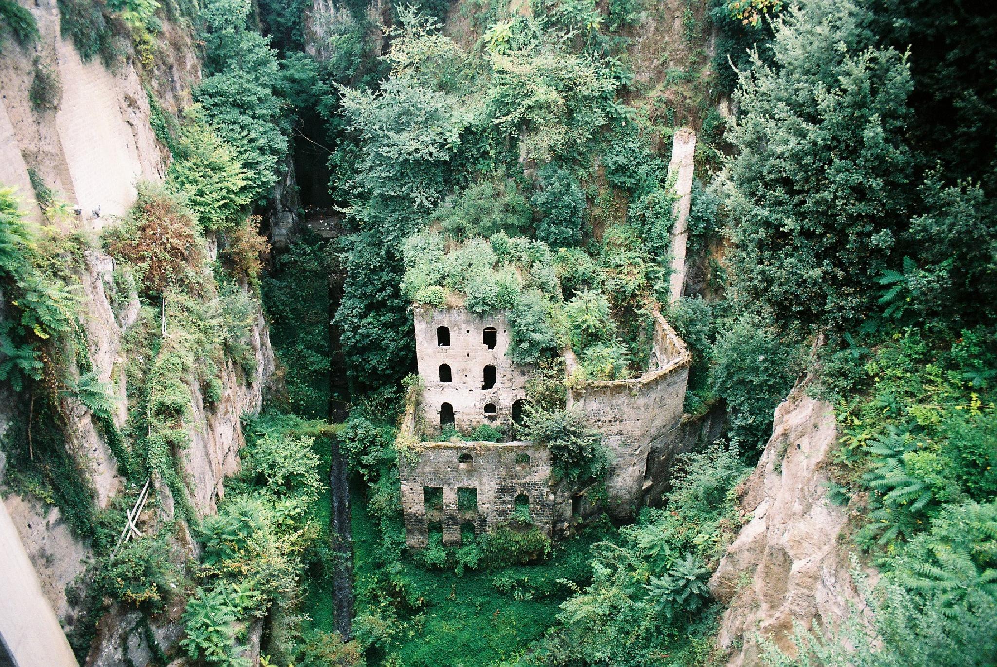 Strange Building in Sorrento by colin.savidge
