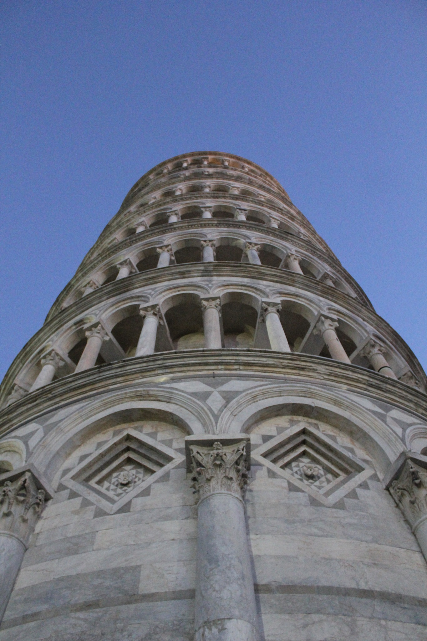 Torre Pendente by colin.savidge
