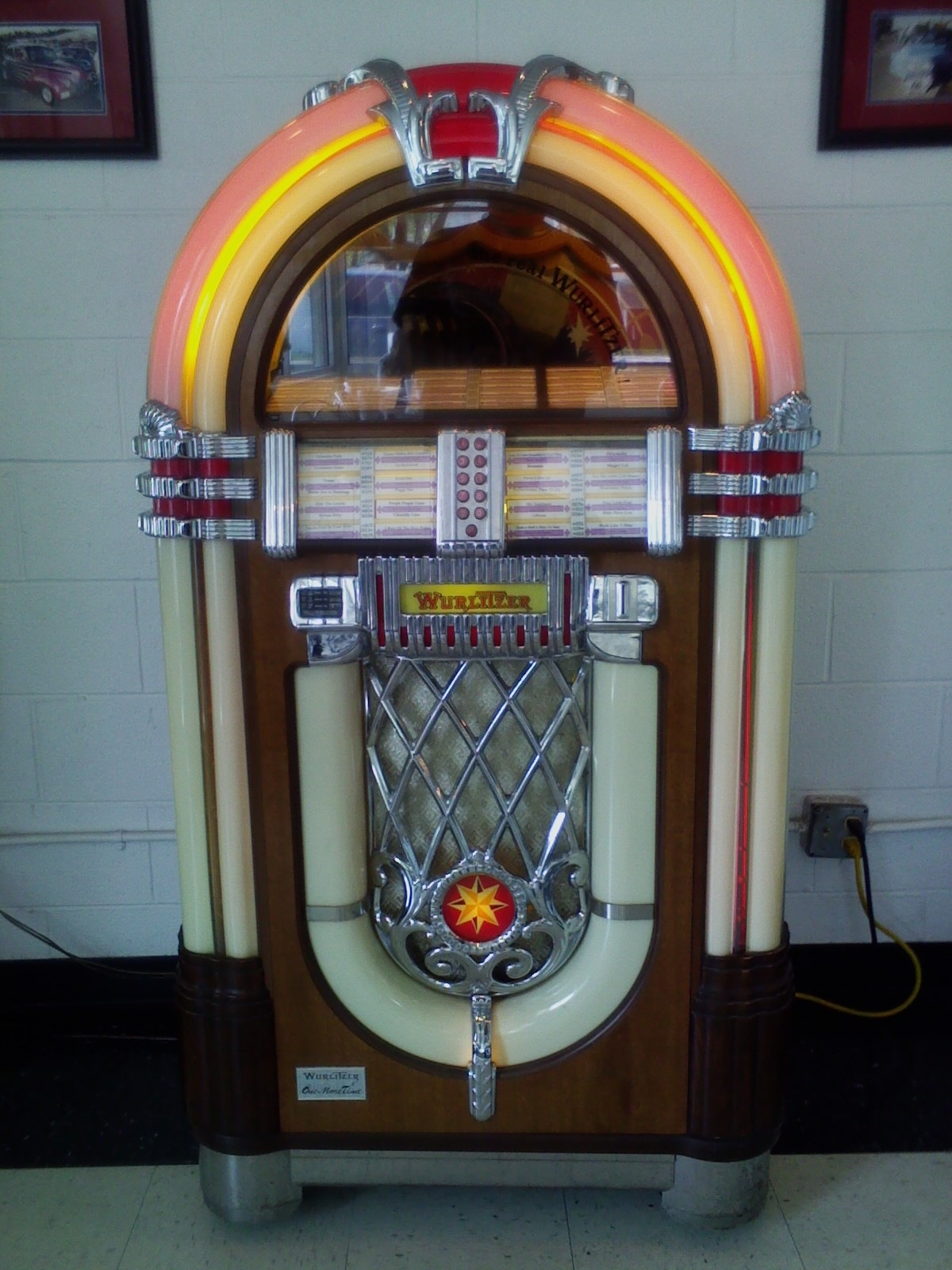 Vintage Jukebox  by Earl Dean