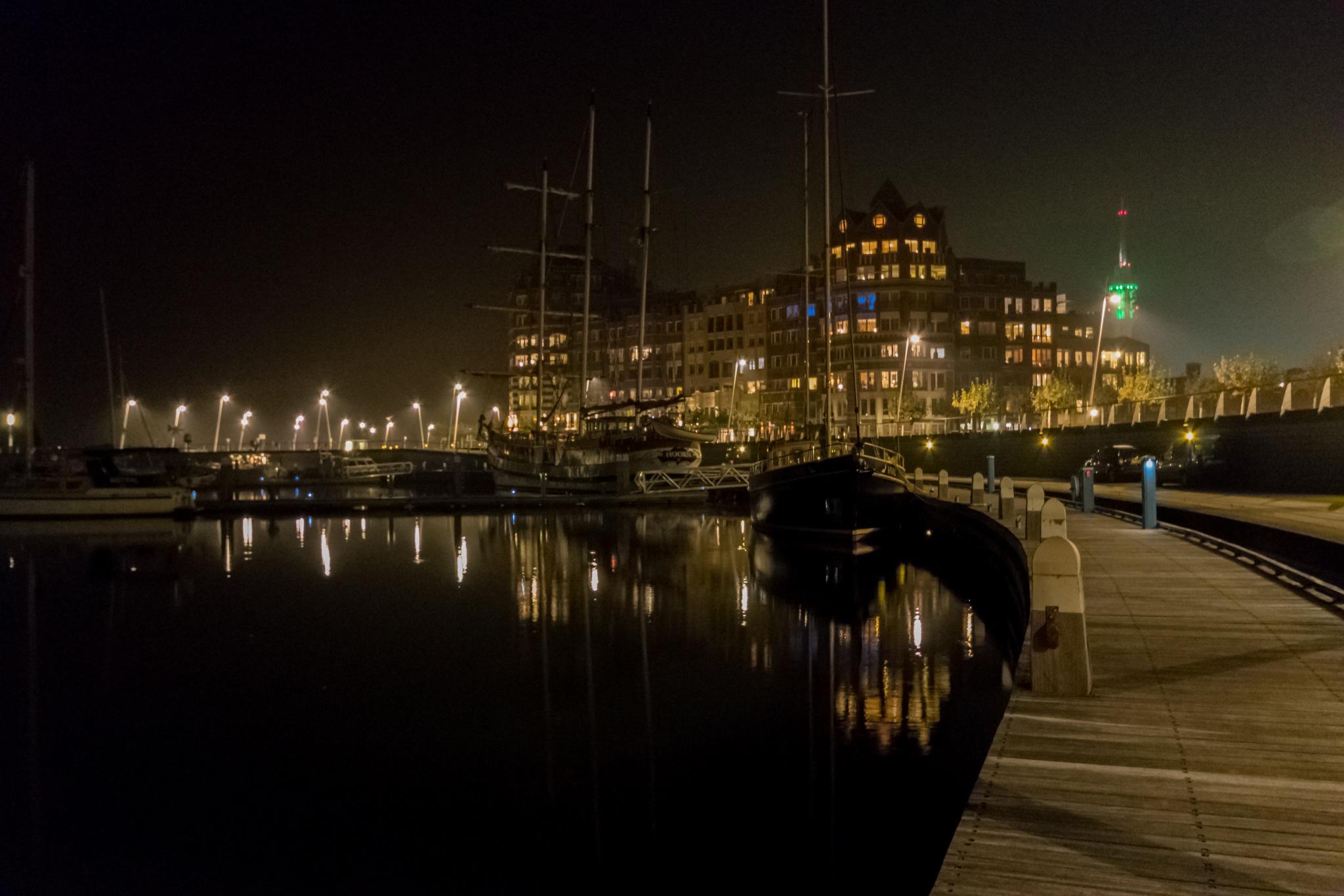 Harbour at night by biljana.plasschaert