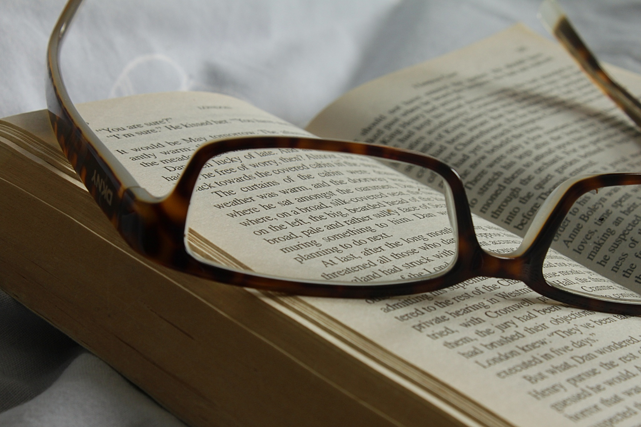 love my books, hate my glasses.... by marion.vanriet