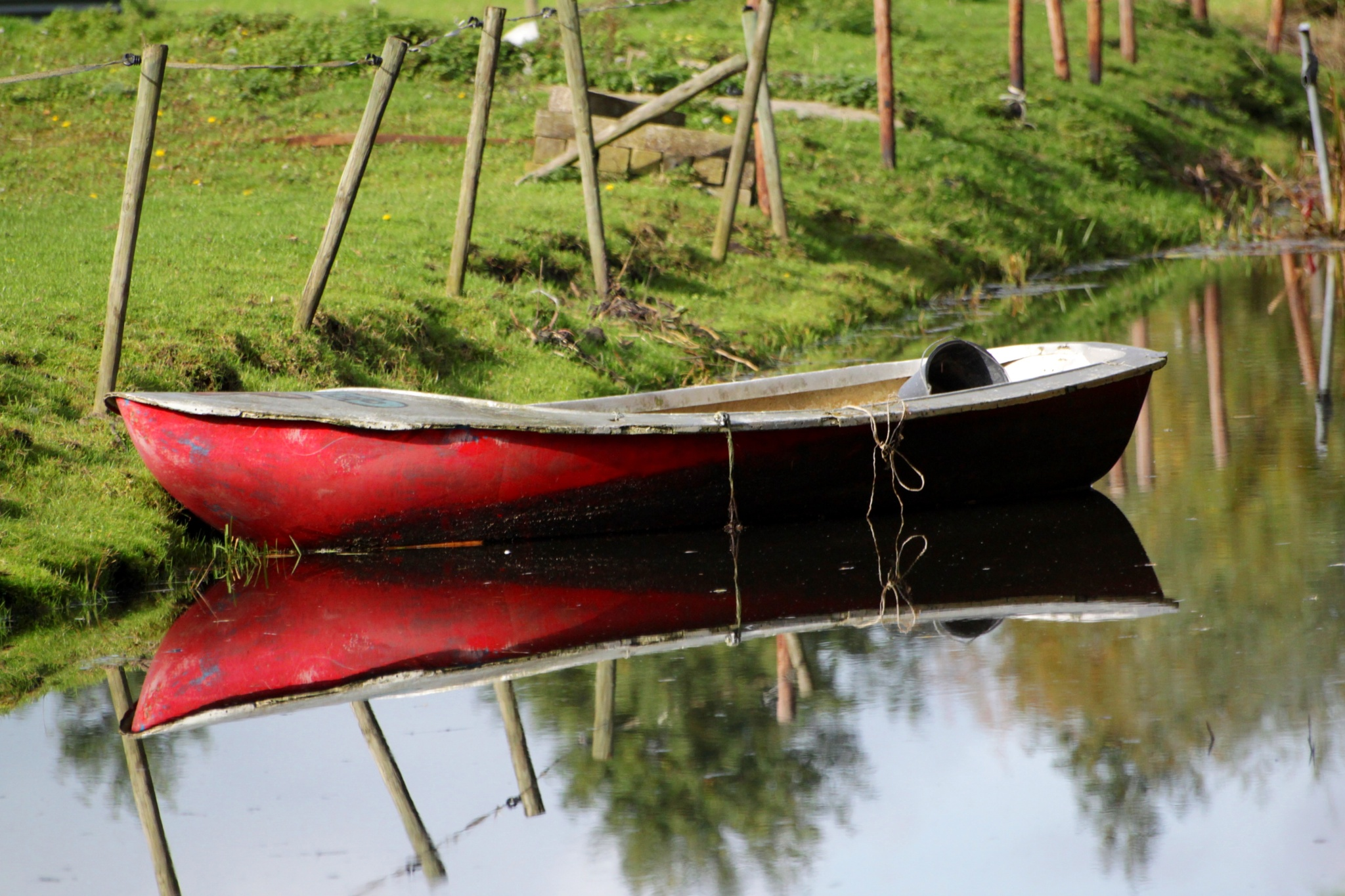 red boat by marion.vanriet
