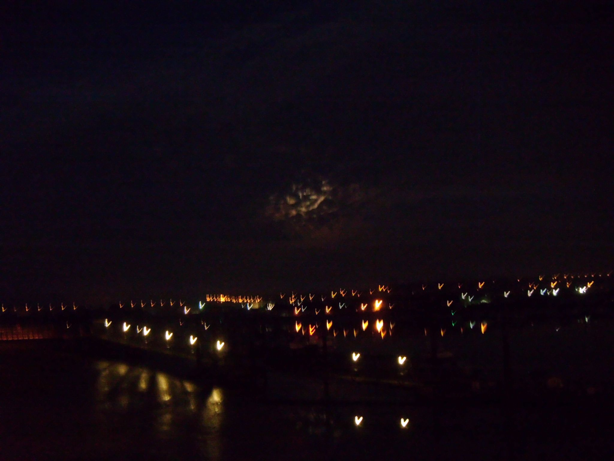 The Medway river at night by didibergman3