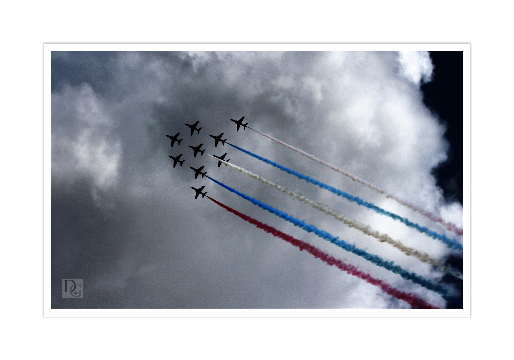 Red Arrows by deegee1966