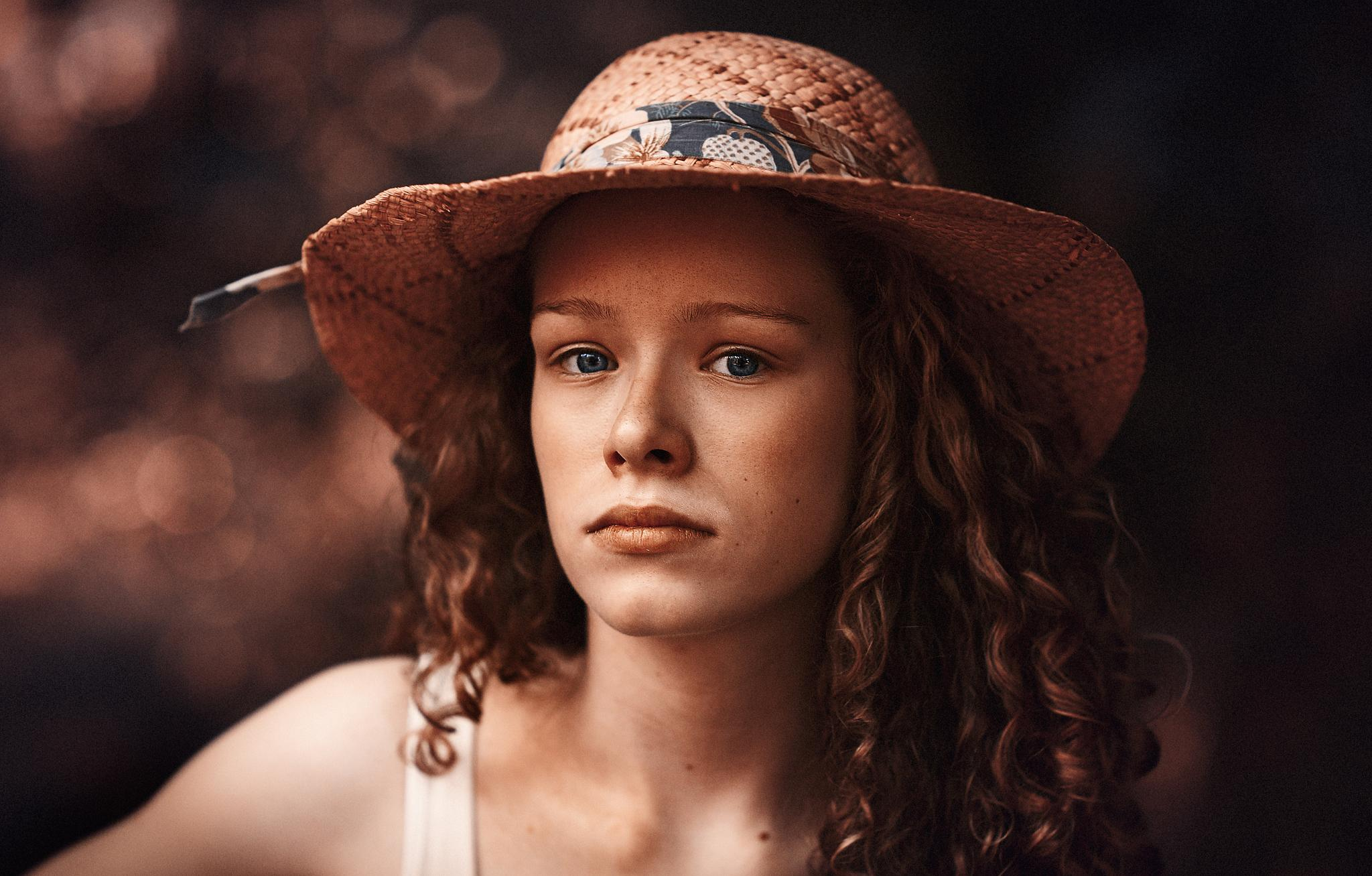 Photo in Fine Art #vintage #timeless #summer #art #portrait #young #headshot #artistic #lips #hair #look #85l #canon #85mm #dark #ritch color