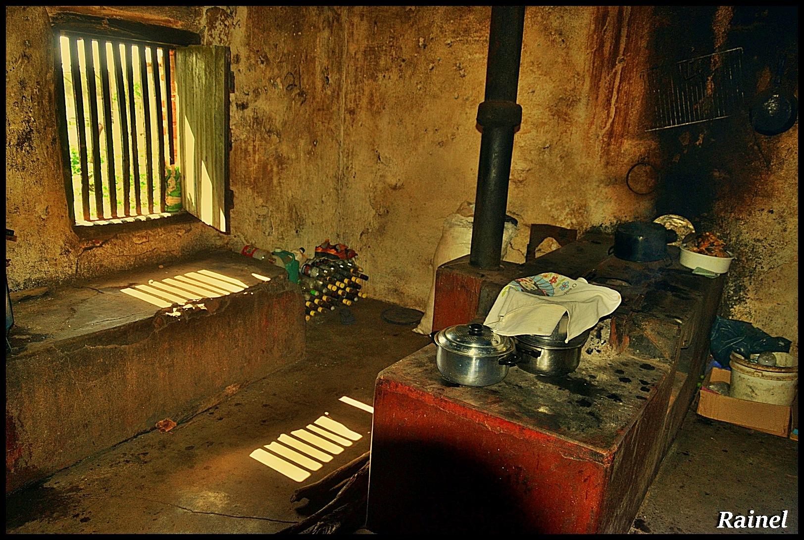 Cozinha sertaneja  by Rainel Dantas de Fontes