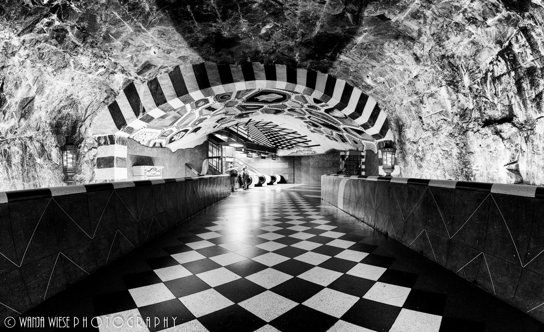 Kungsträdgården Tunnelbana by Wanja Wiese